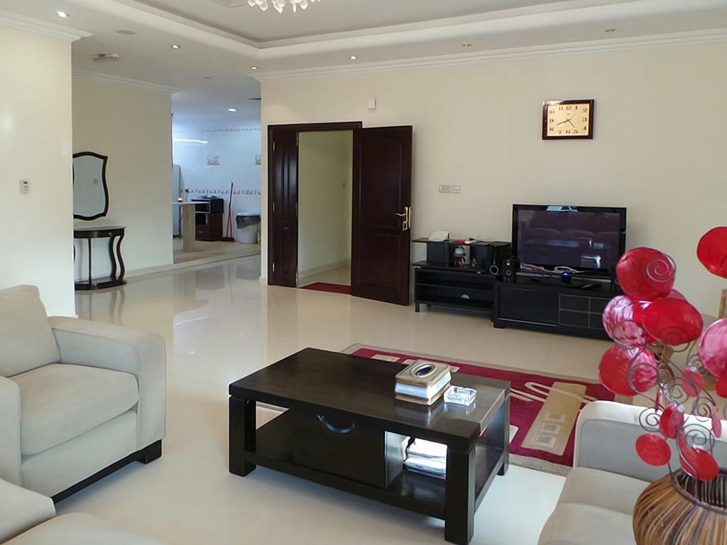 Mangaf – lovely, furnished, three bedroom floor