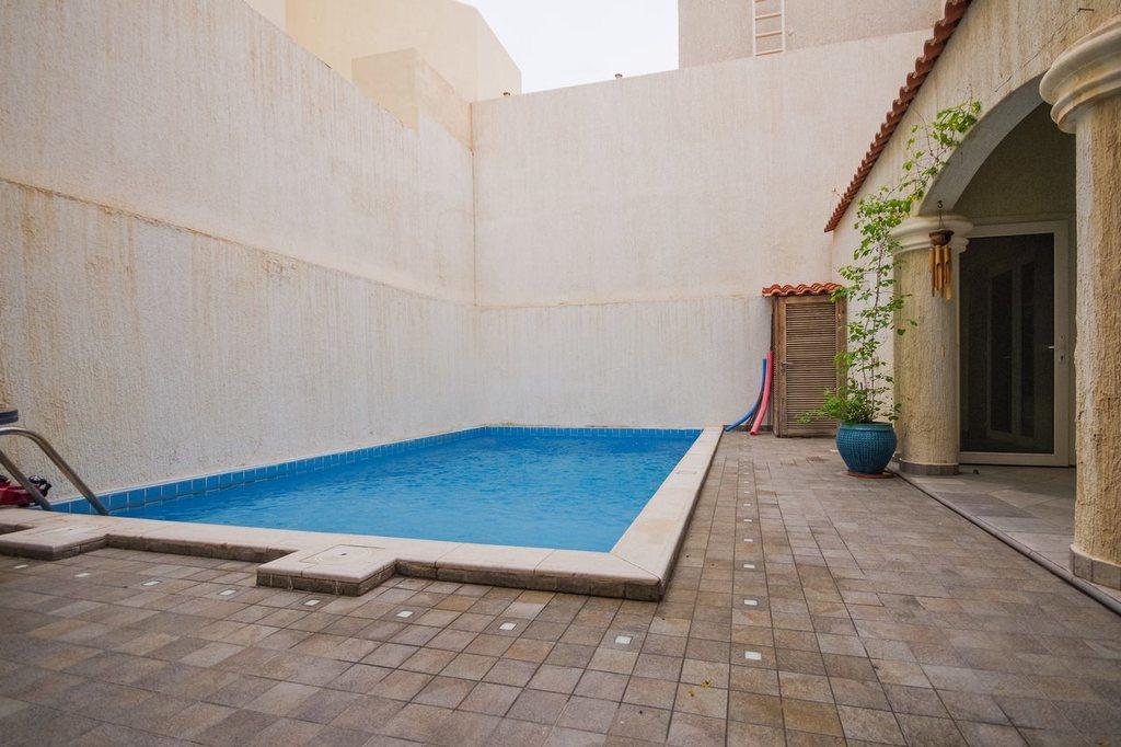 Salwa – unfurnished villa w/private pool