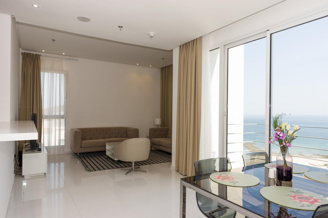 Salmiya – great, new, furnished apartments w/splendid views