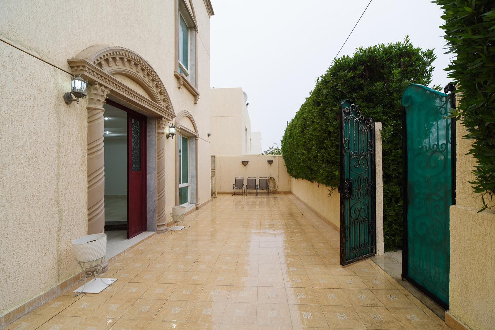 Fintas – spacious villa w/large garden and basement