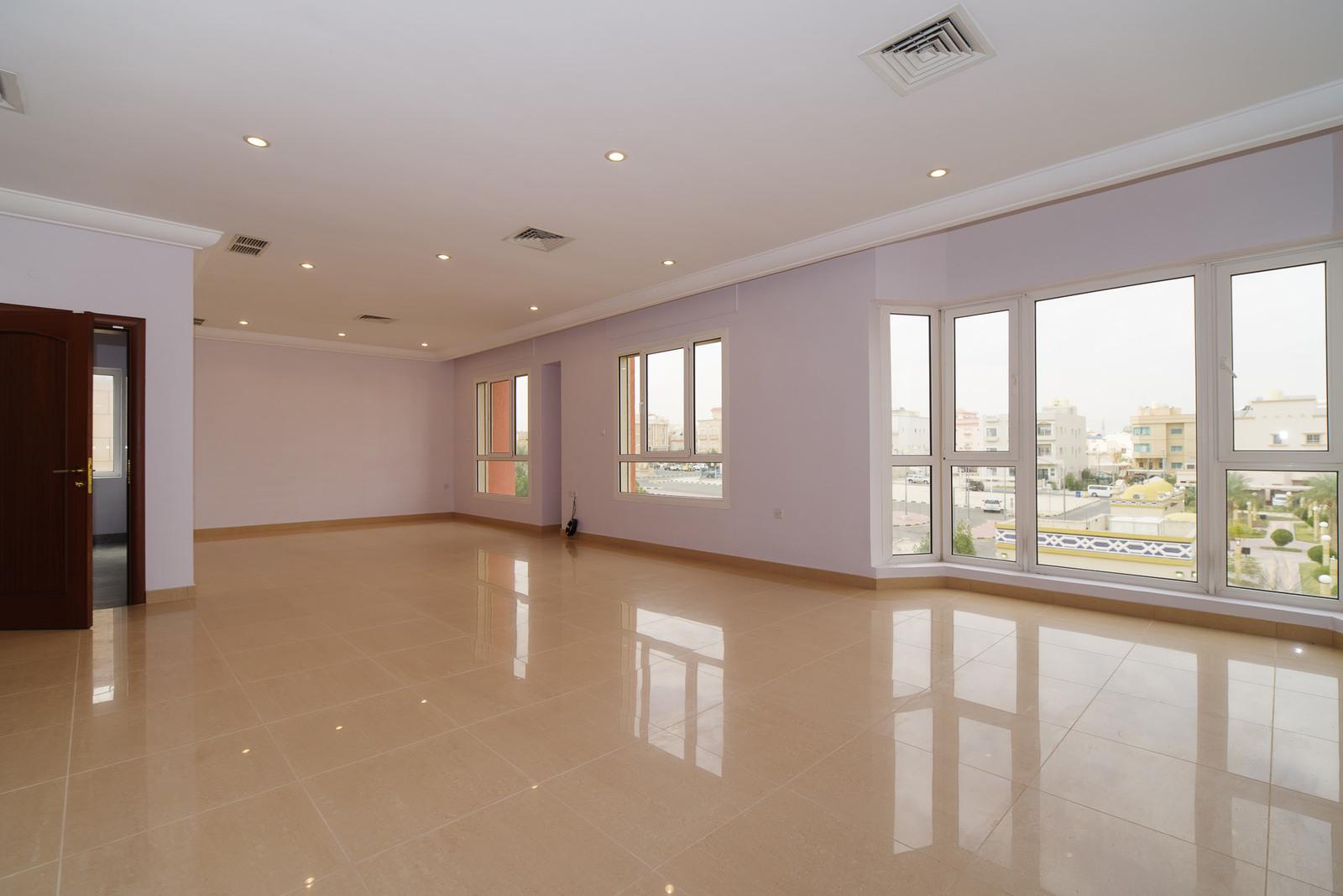 Zahra – beautiful, unfurnished, four bedroom floor