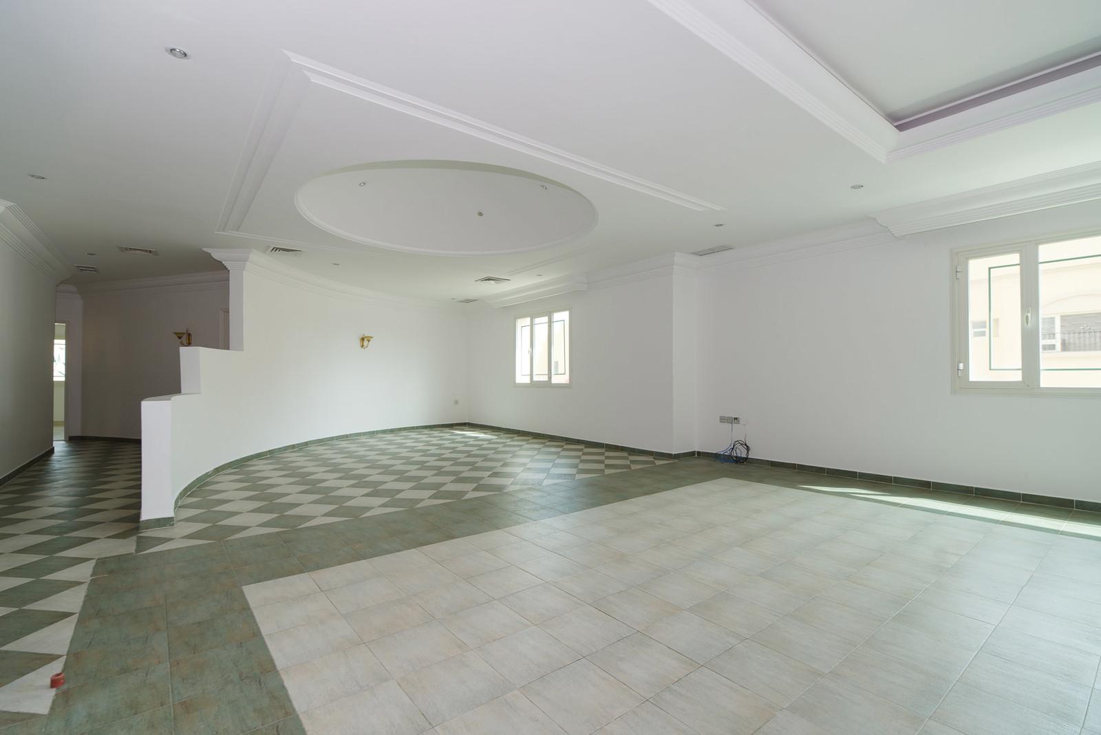 Salwa – large, unfurnished, three bedroom floor