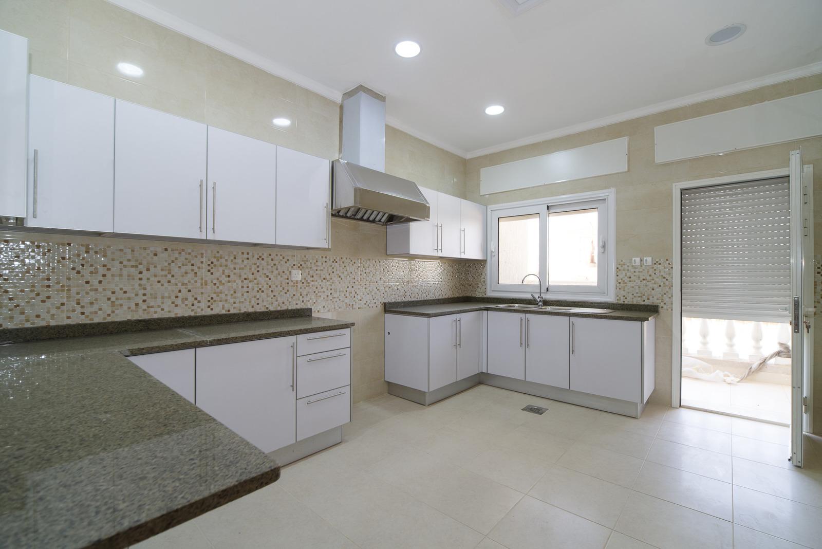 Mishref – lovely, spacious, three bedroom apartment