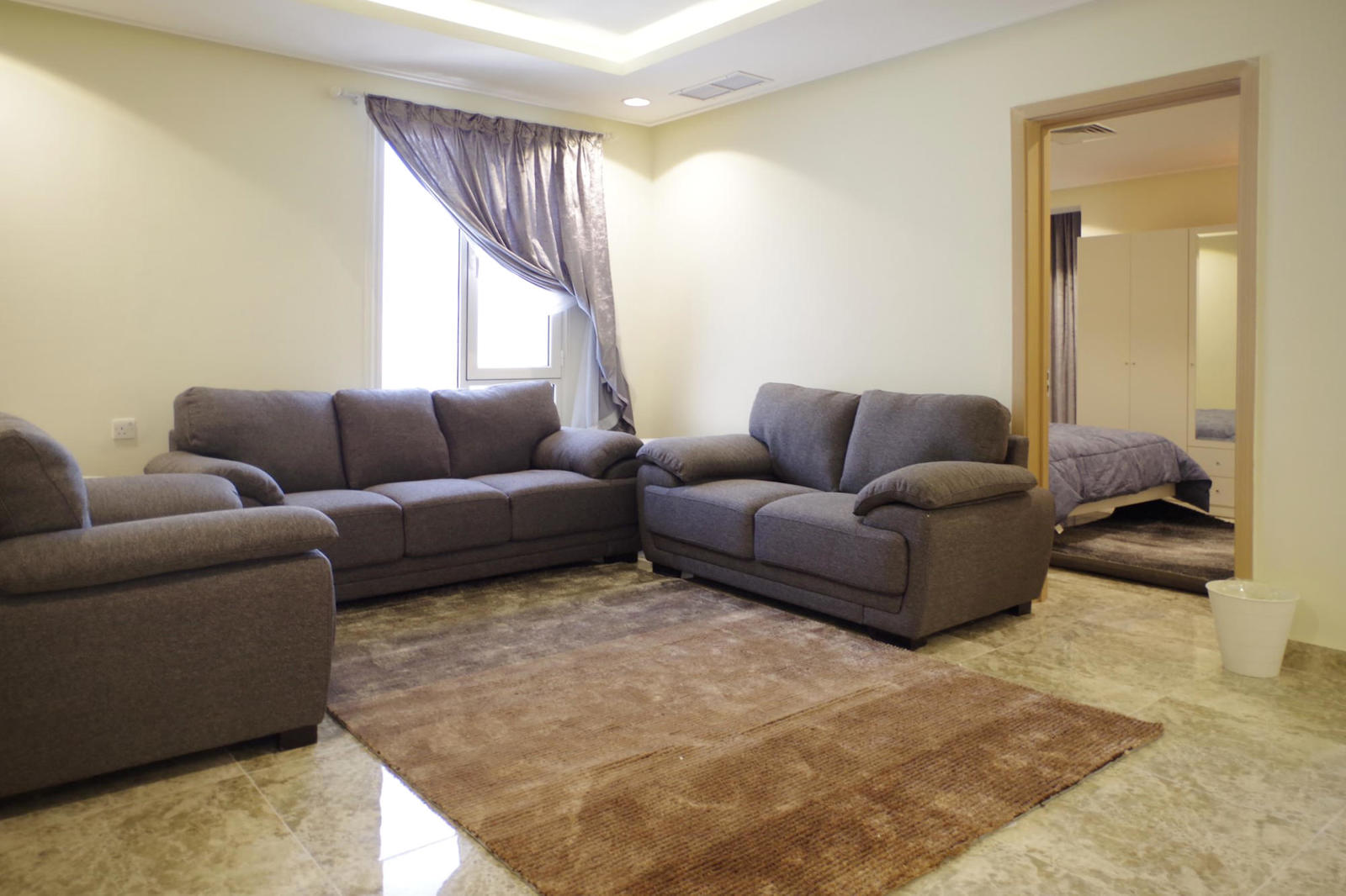 Fintas – large, furnished,one bedroom apartment w/gym