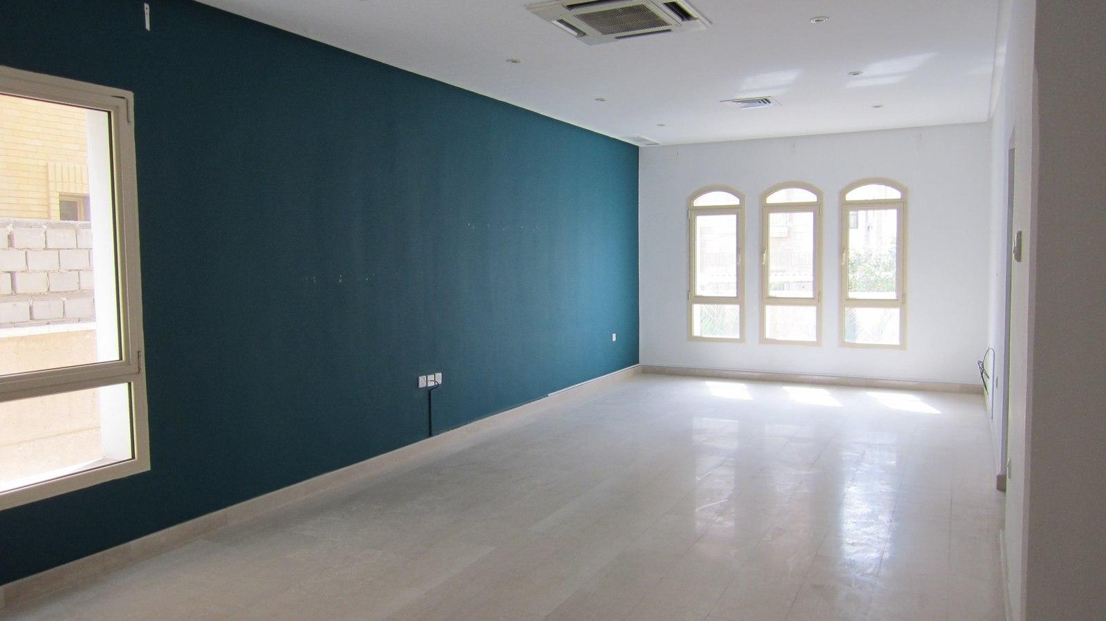 Salwa – older, very nice four bedroom ground floor w/private yard