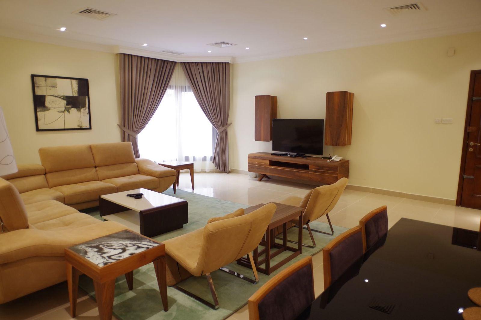 Salwa – large, furnished, three bedroom apartment w/pool