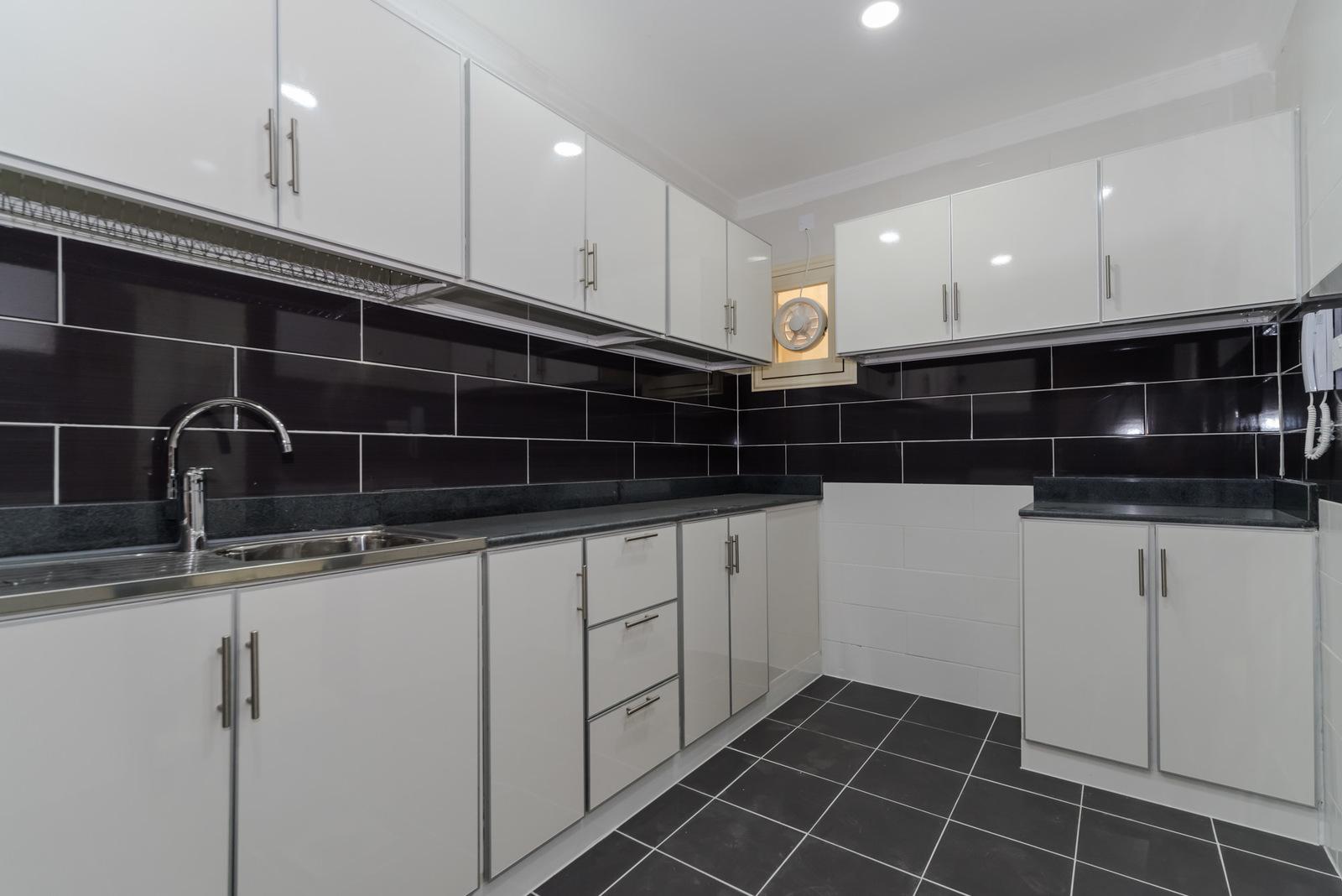 Salwa – New unfurnished, three bedroom apartments