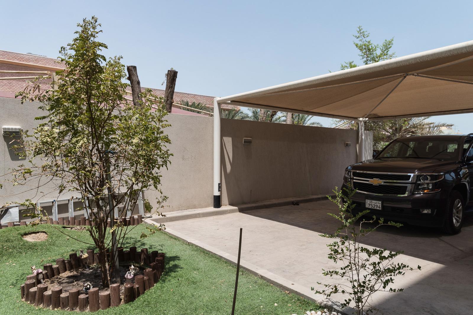 Rumathiya – very nice, unfurnished three bedroom ground floor w/yard