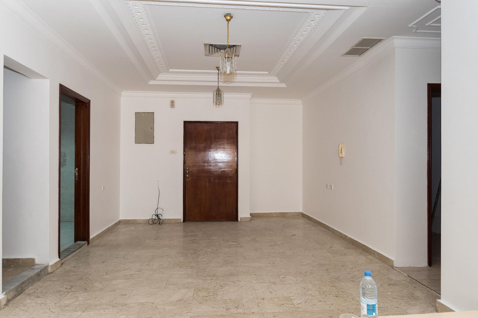 Salwa – older, large, unfurnished, three bedroom apartment