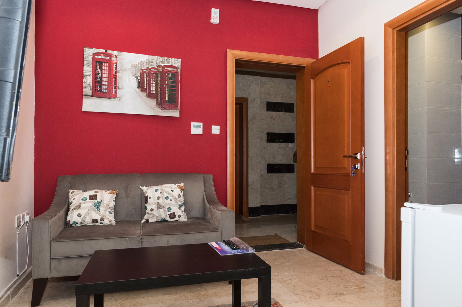 Sharq – small furnished and serviced studio apartments w/pool