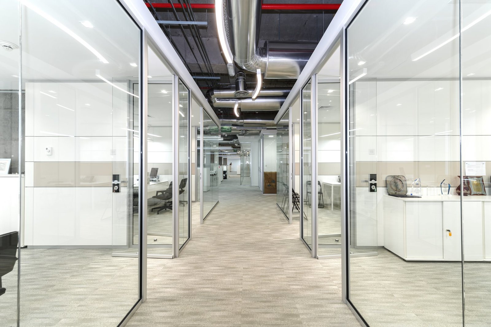 Sharq – unique, contemporary, equipped office space in Al Hamra Tower (over 700m2)