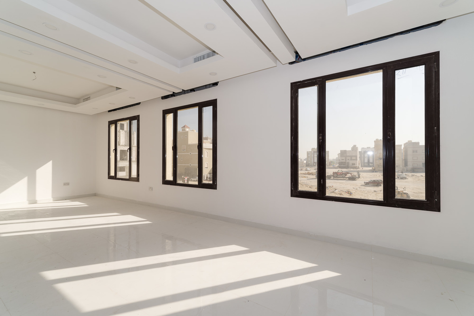 Fnaitees -spacious, unfurnished, four bedroom floors
