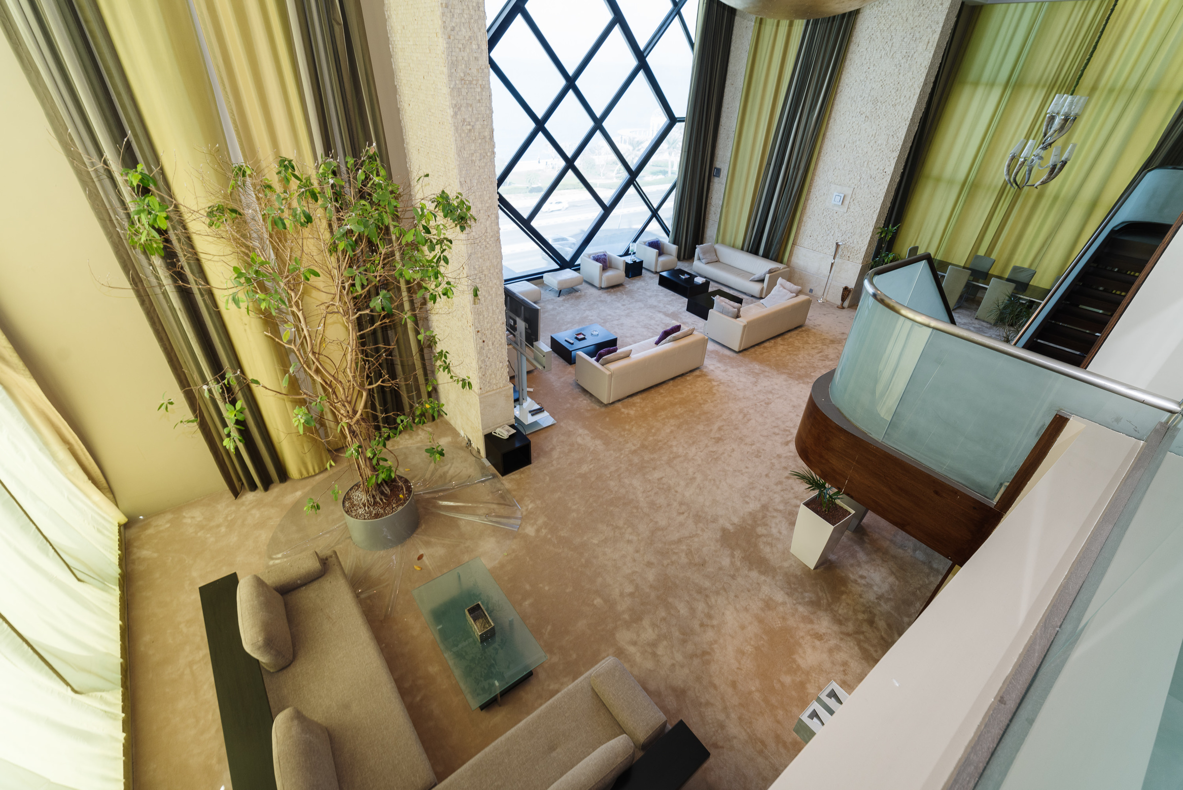 Salmiya – furnished, three bedroom penthouse w/sea view