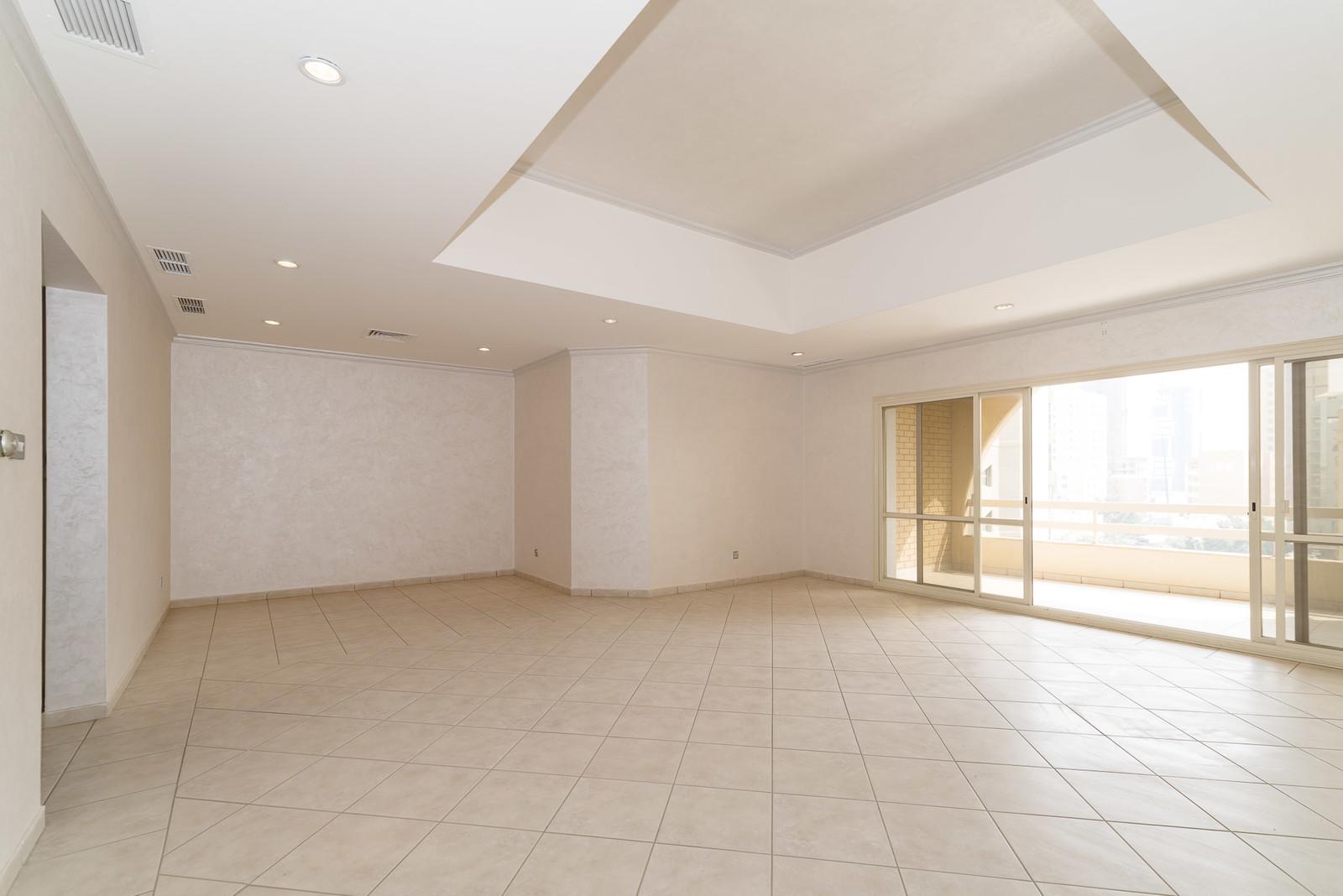 Shaab – sea view, unfurnished three bedroom apartment