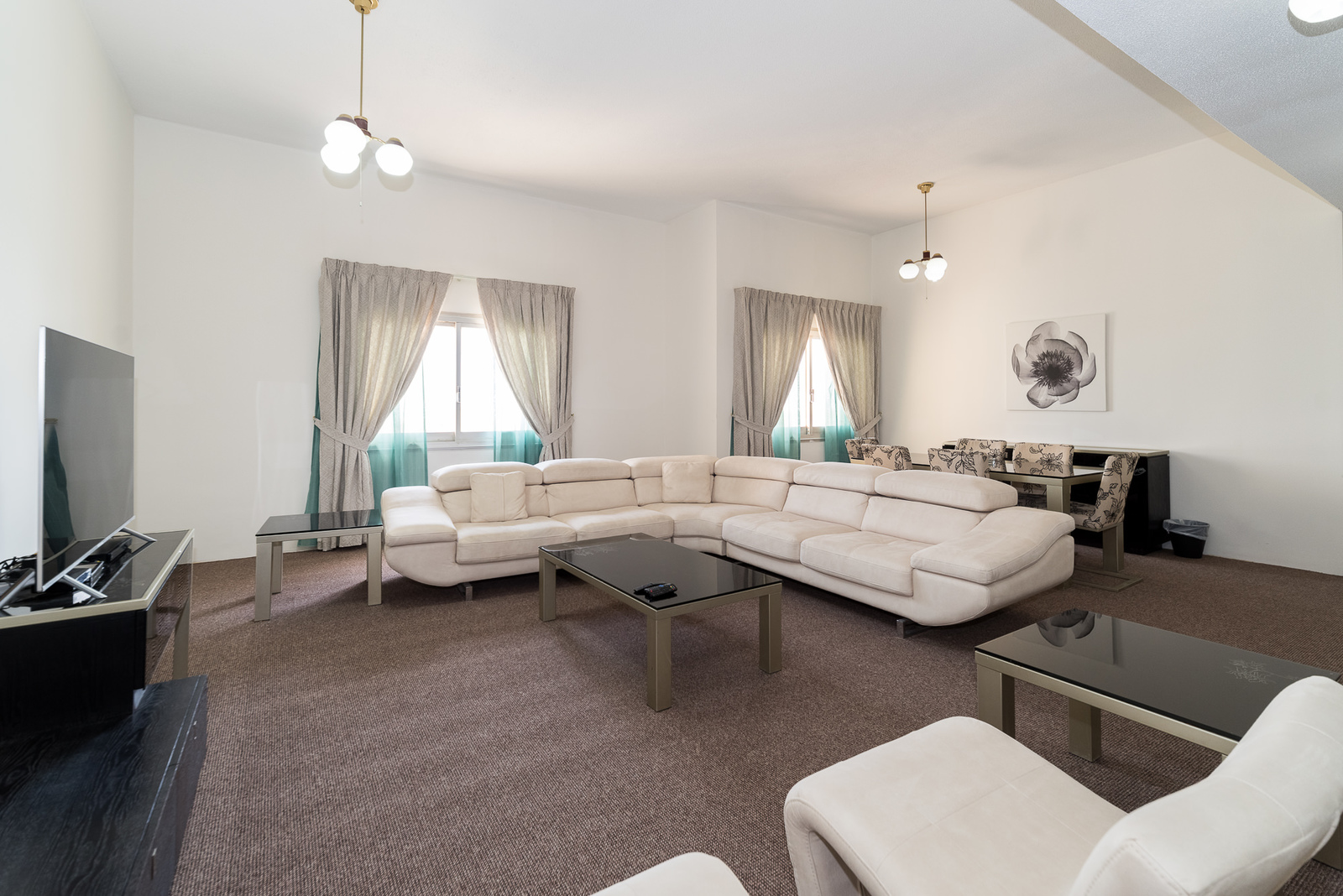 Mahboula – large, fully furnished, three bedroom apartment w/sea view.