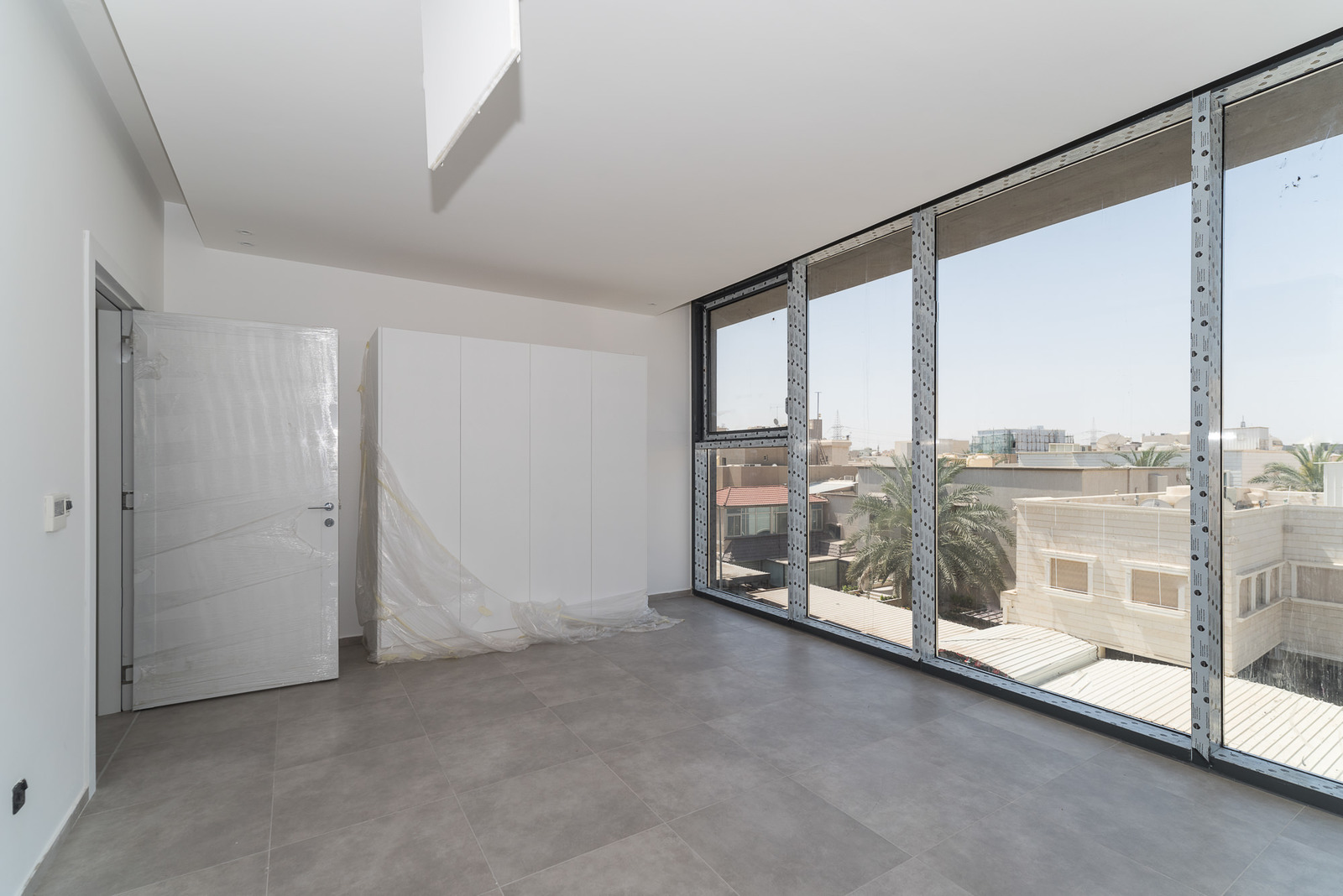 Surra – new, modern, unfurnished, three bedroom apartment w/common roof terrace