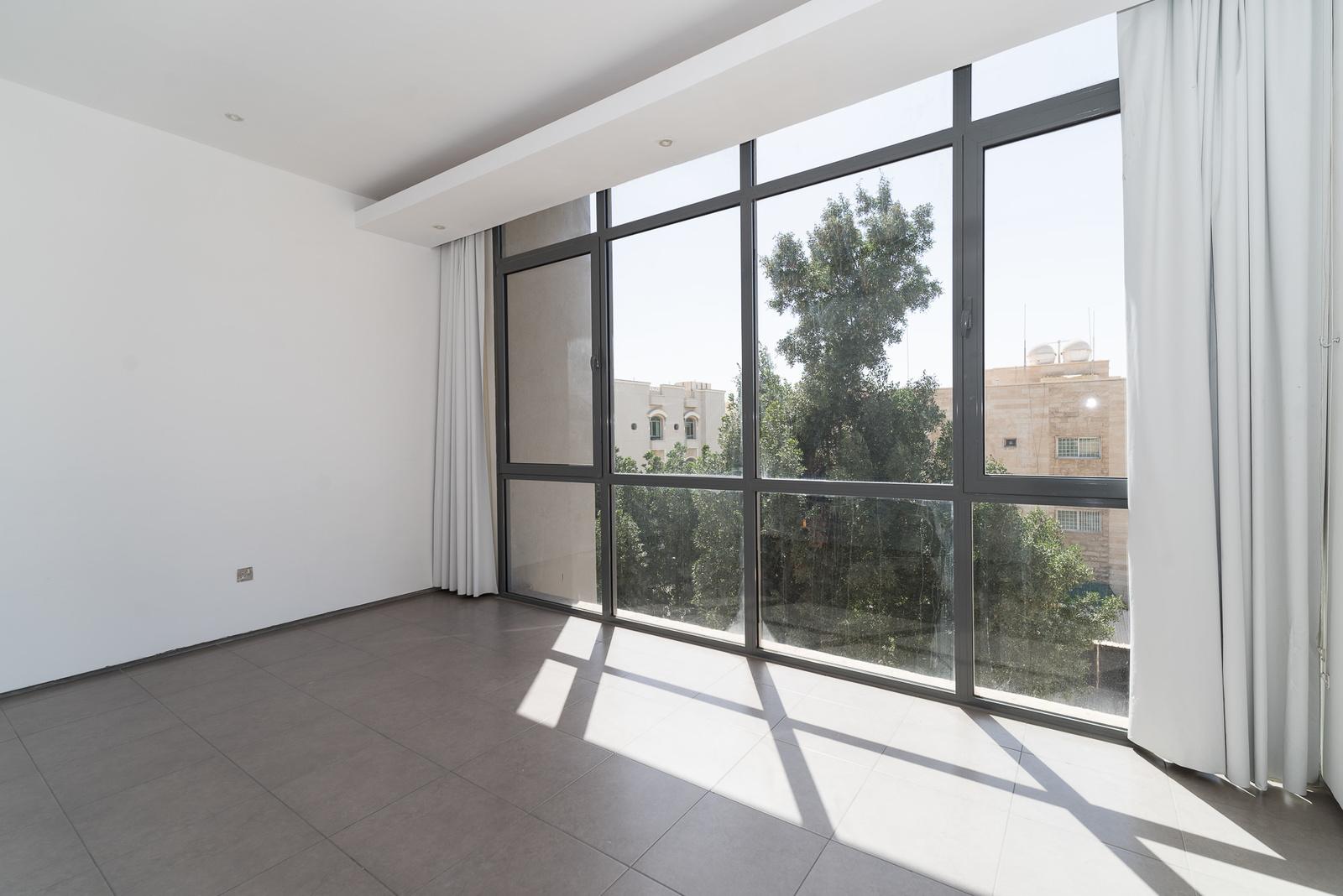 Salwa – great, sunny, unfurnished three bedroom apartment w/pool