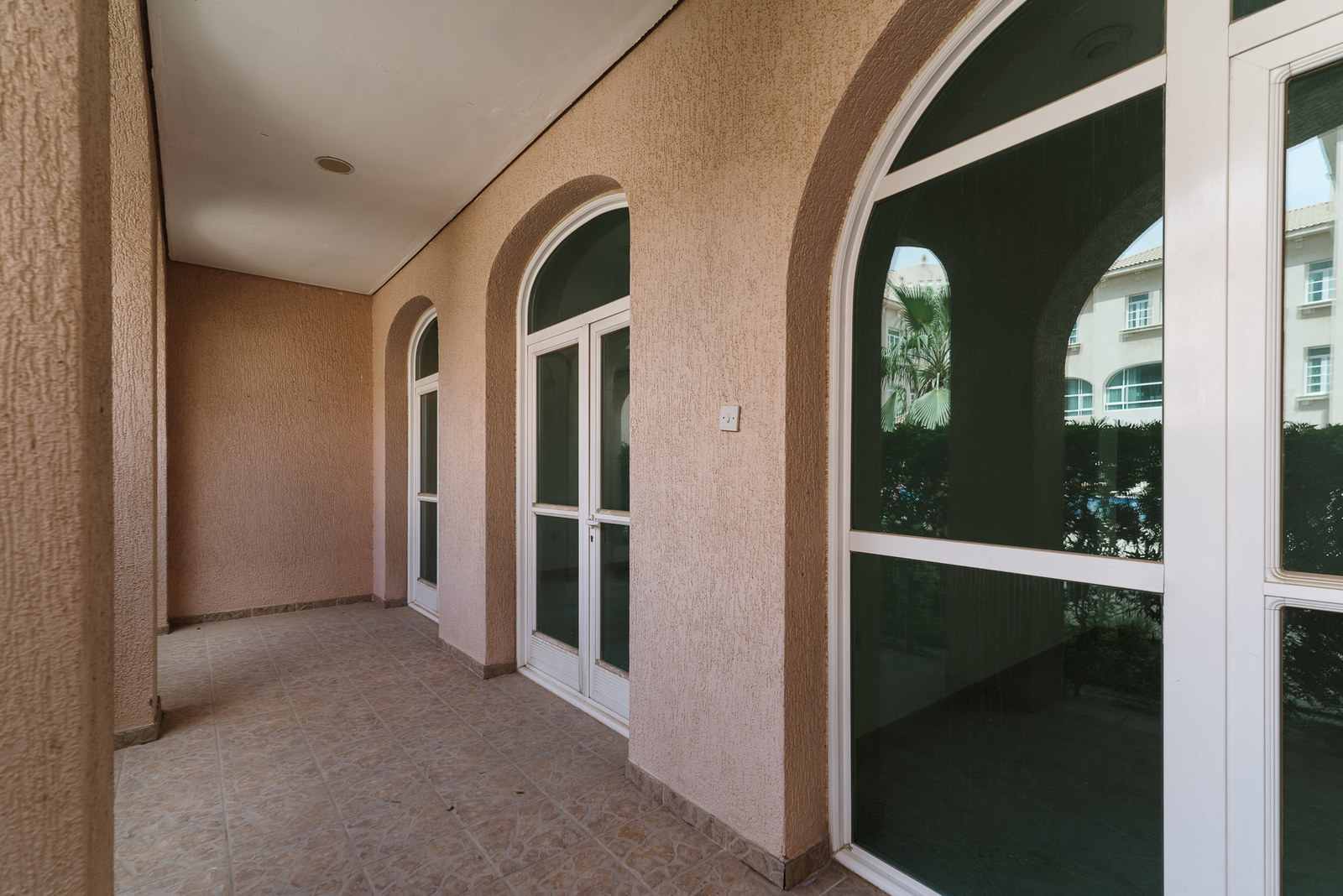 Messilah – spacious, unfurnished three bedroom ground floor apartments w/pool