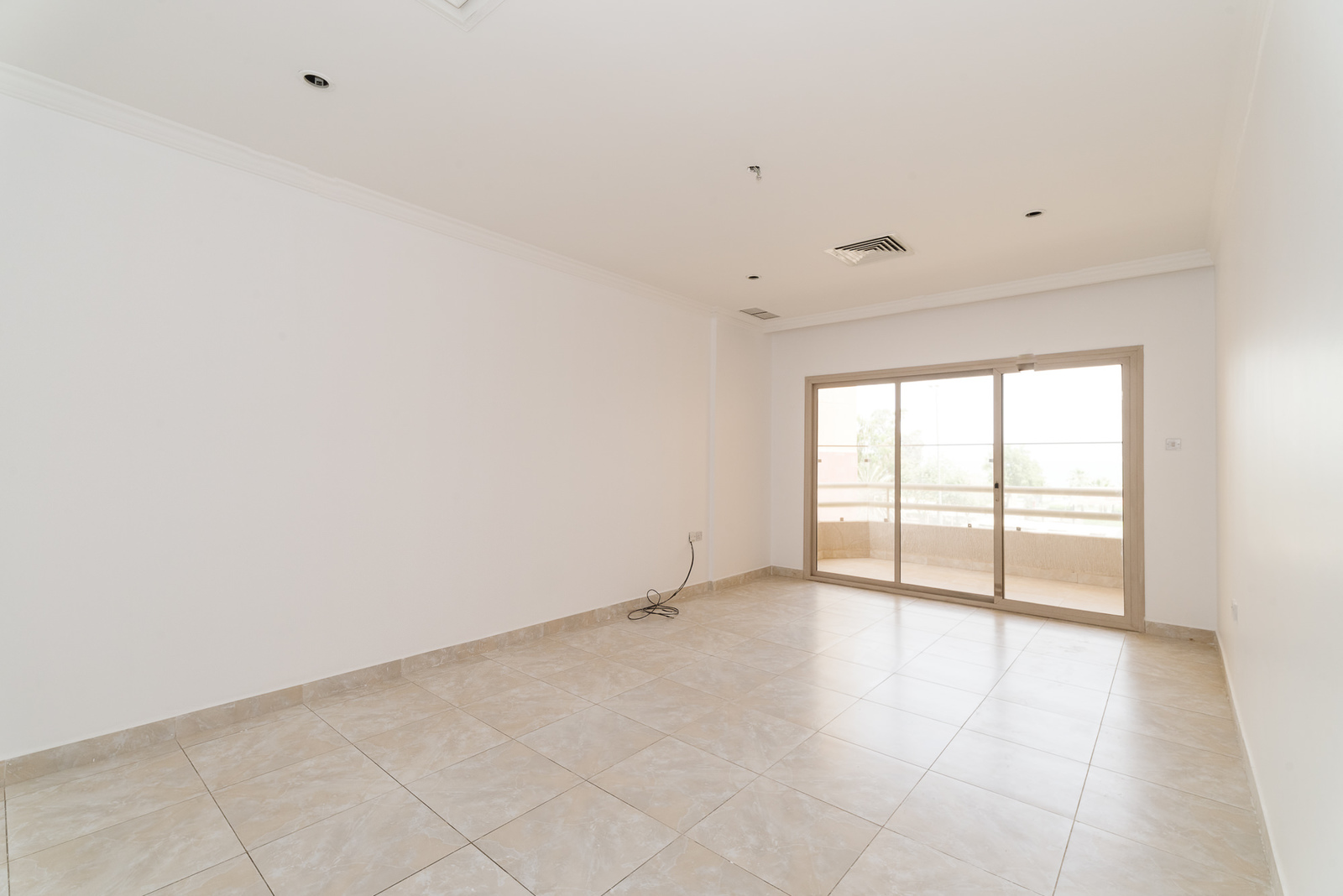 Fintas – unfurnished, three bedroom apartment w/sea view