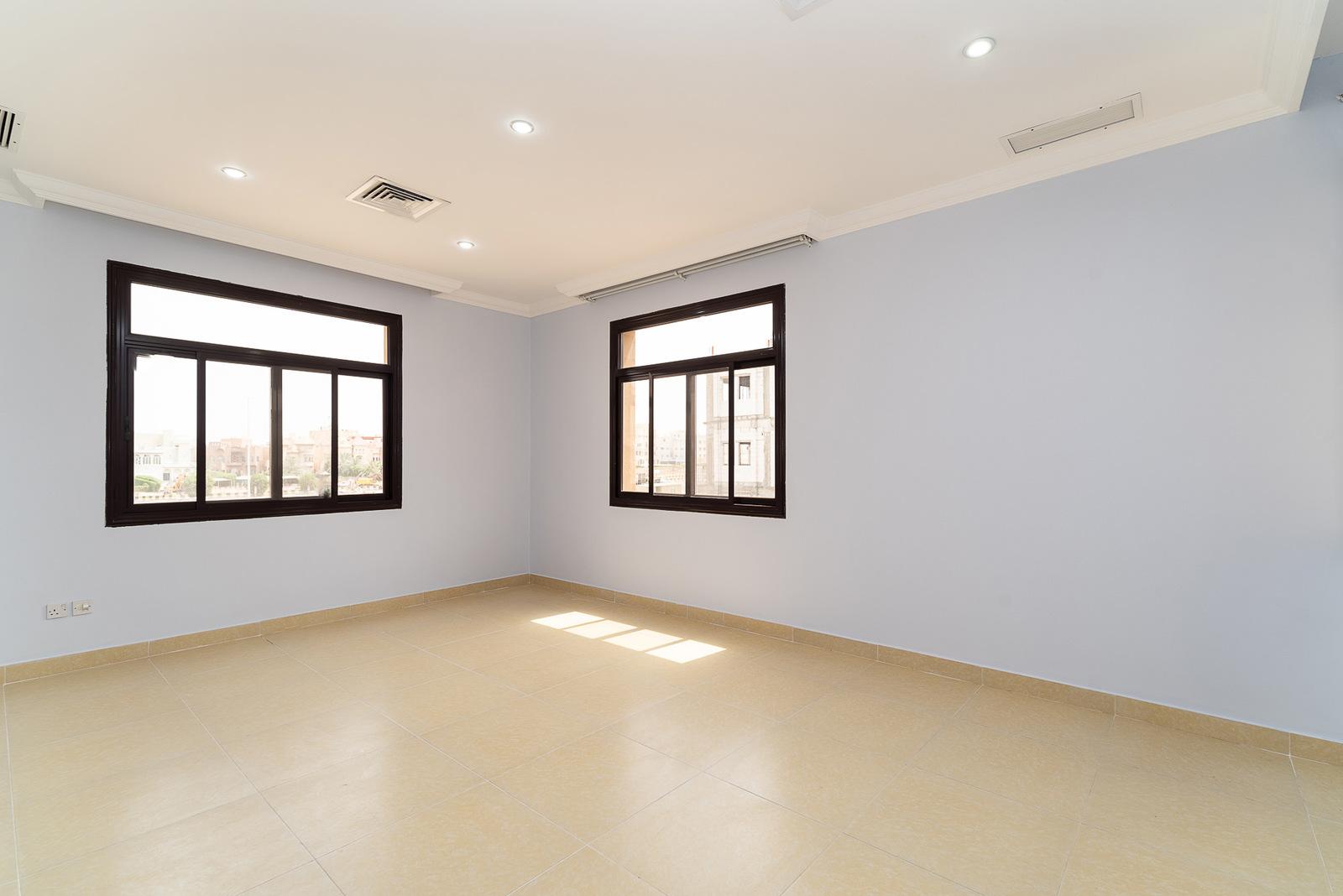 Abu Fatira – sunny, unfurnished three bedroom apartment