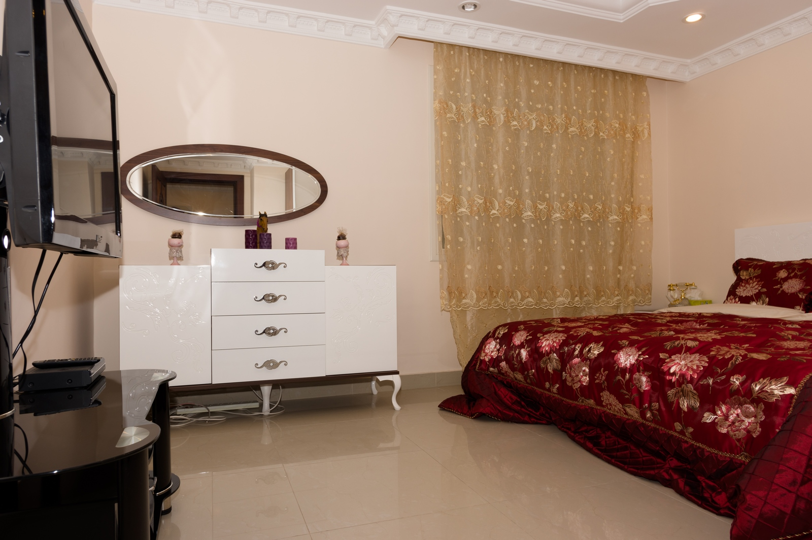 Mangaf – spacious, furnished one bedroom apartment w/private terrace
