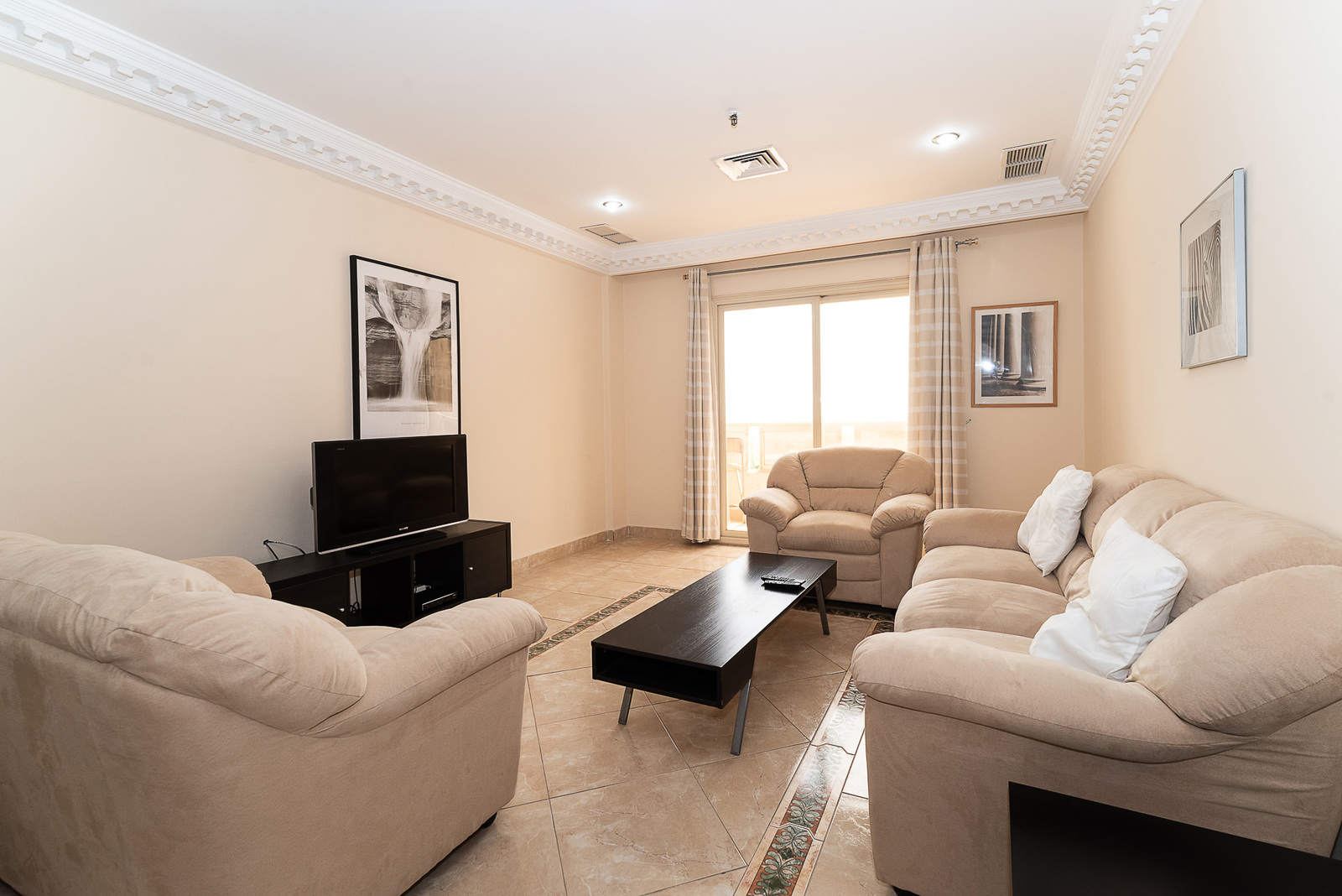 Mahboula – spacious, furnished, one bedroom apartment w/pool