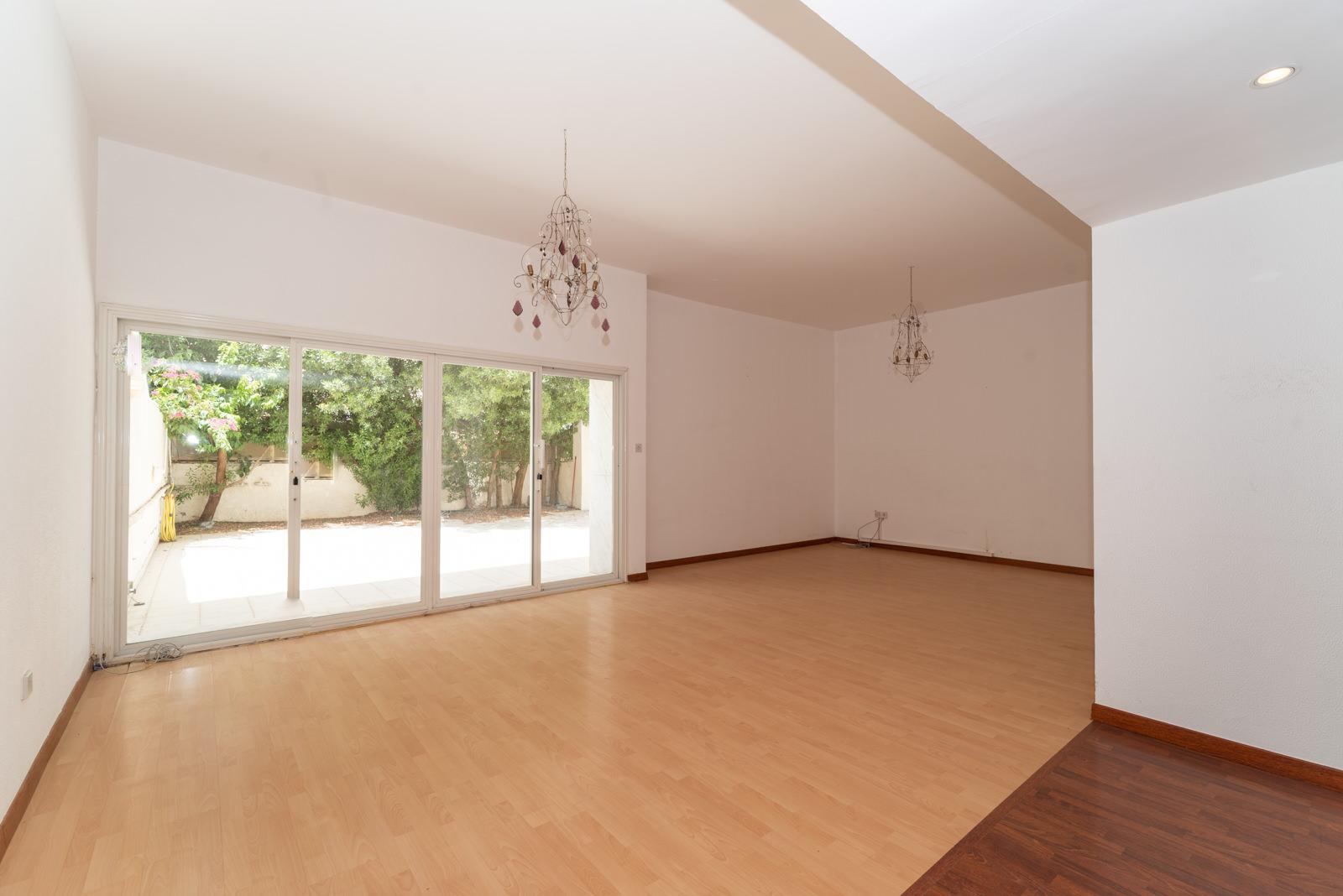 Jabriya – unfurnished, three bedroom villa