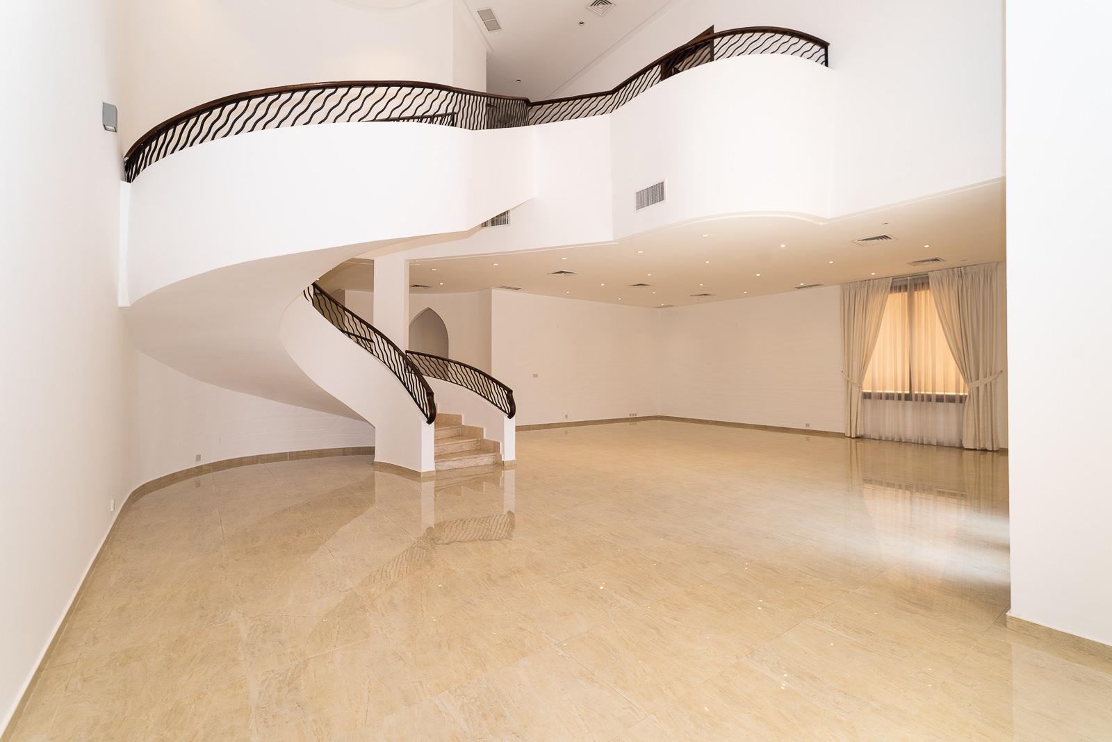 Bayan – great, unfurnished villa w/basement and private yard