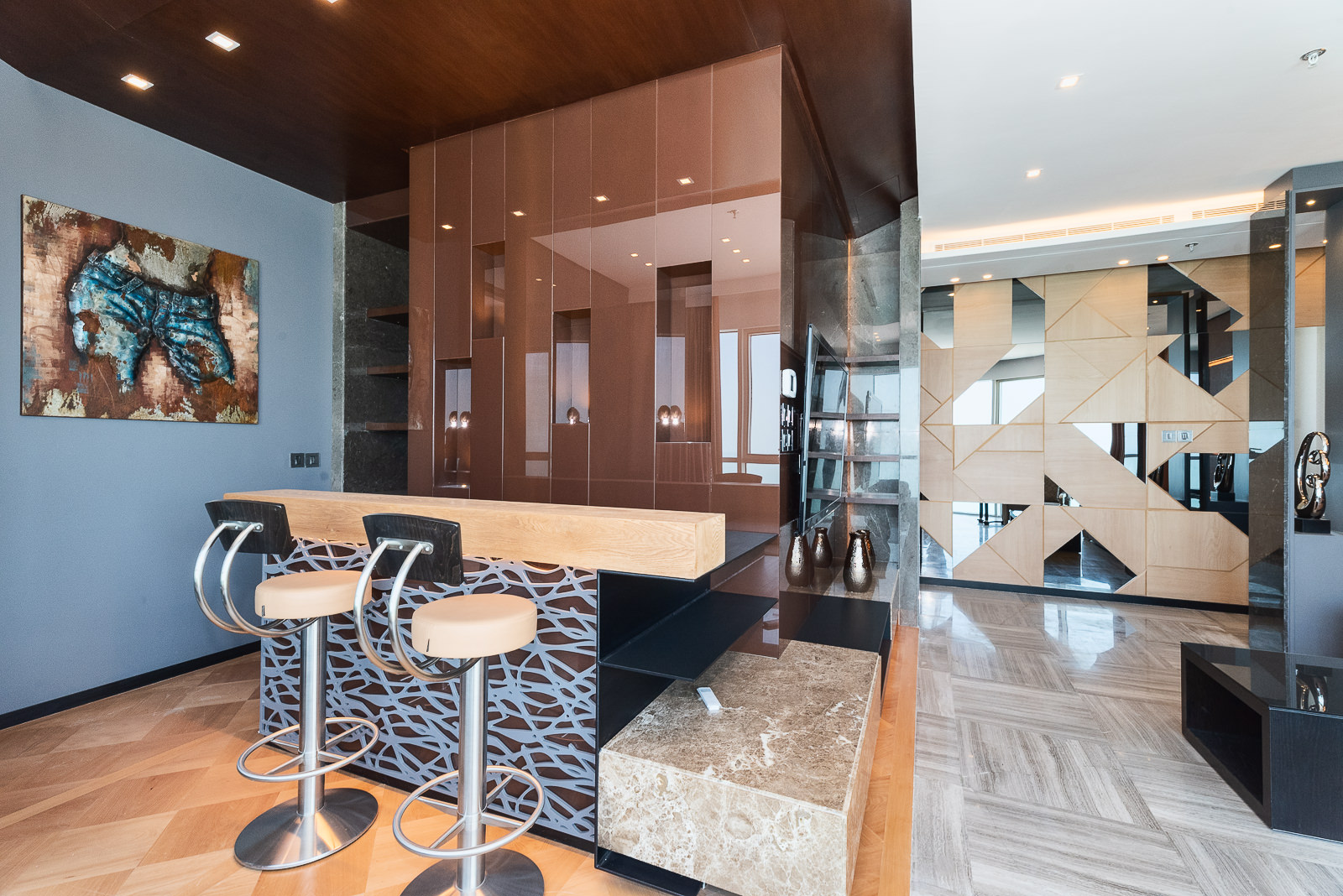 Salmiya – elegant, two bedroom designer penthouse w/panoramic views