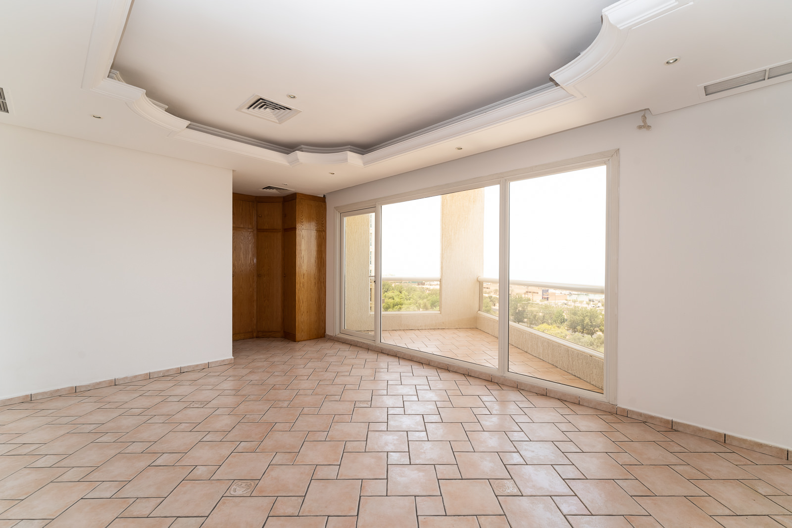 Salmiya – two and three bedroom duplex apartments w/pool