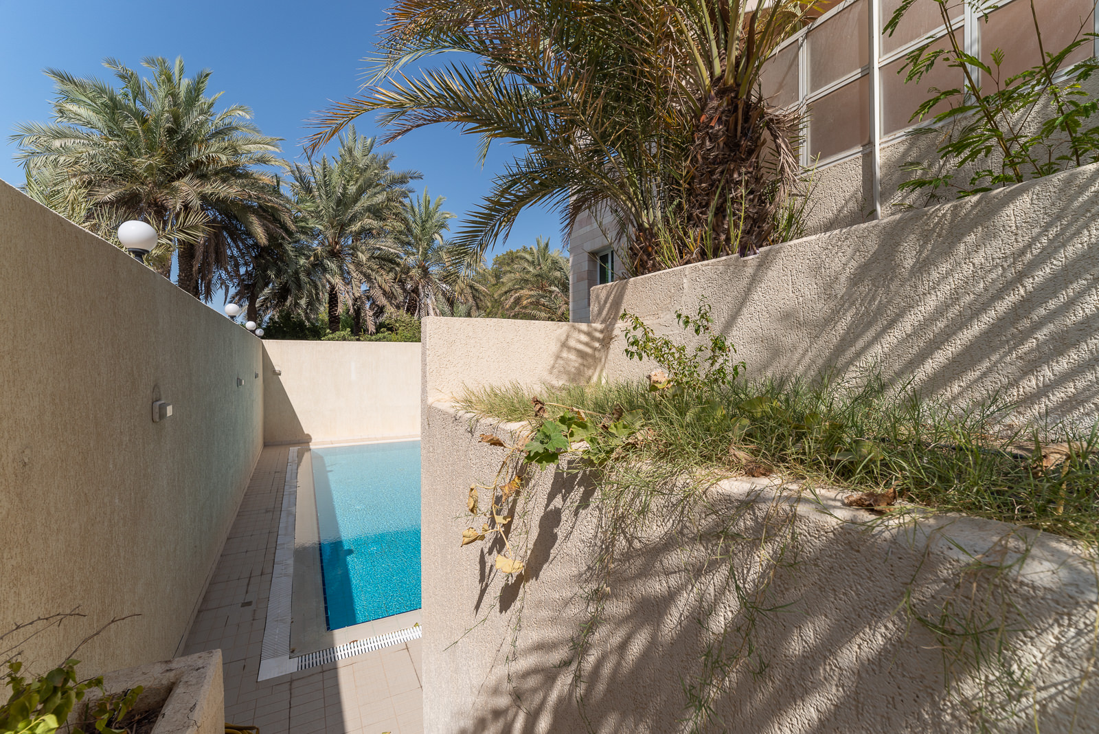 Salwa – lovely, spacious, three bedroom apartments w/balconies and pool