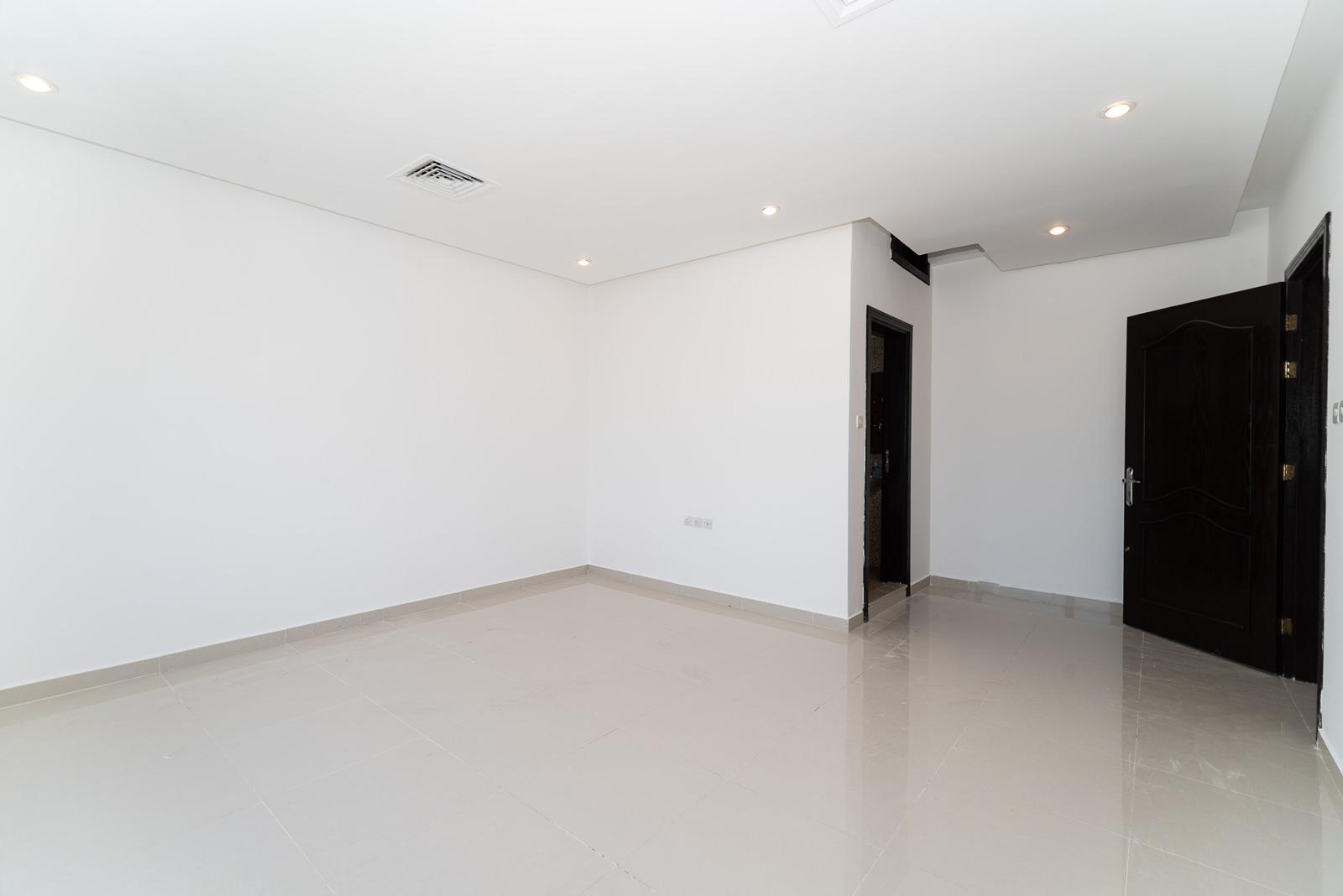 Abu Fatira – nice, unfurnished, three bedroom apartment