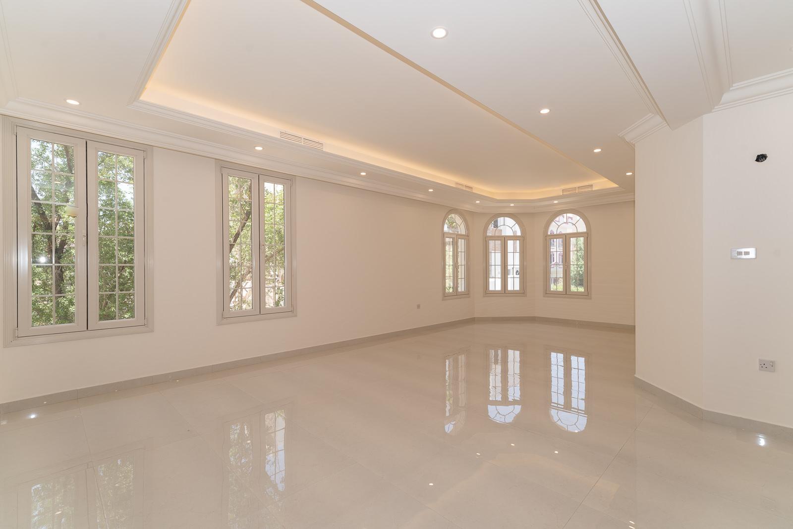 Mishref – great, unfurnished four bedroom floor