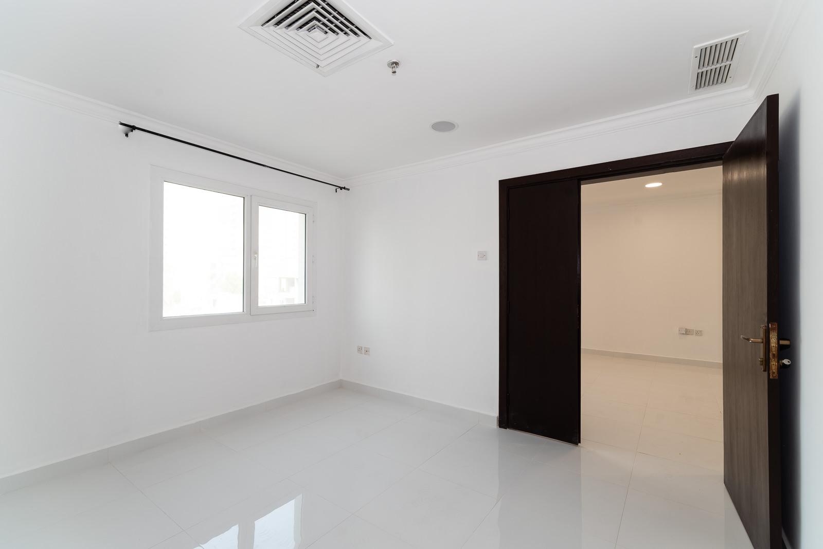 Bneid al Gar – unfurnished, one bedroom apartment w/gym
