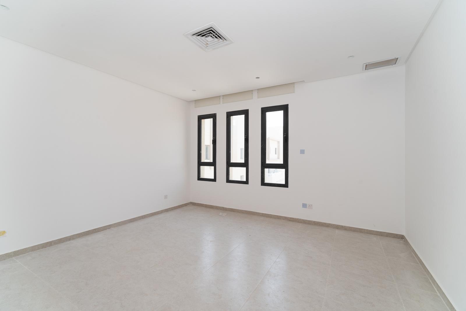 Fnaitees – large, new, unfurnished apartments
