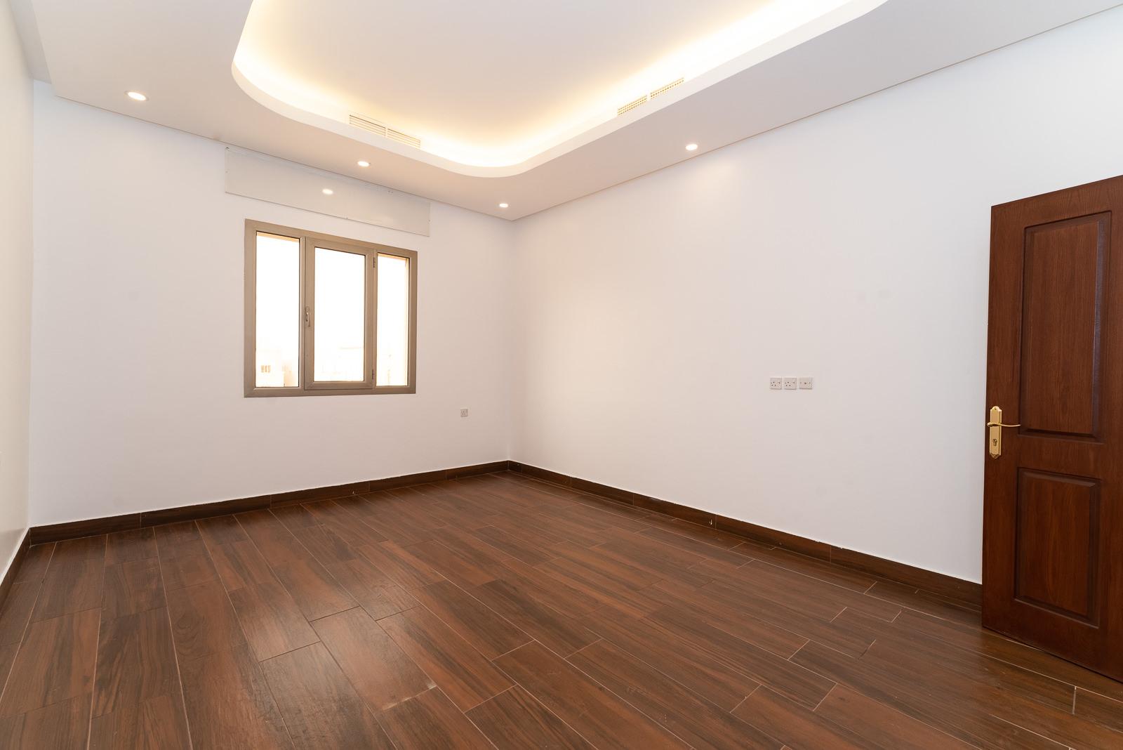 Abu Fatira – great, spacious, three bedroom apartment