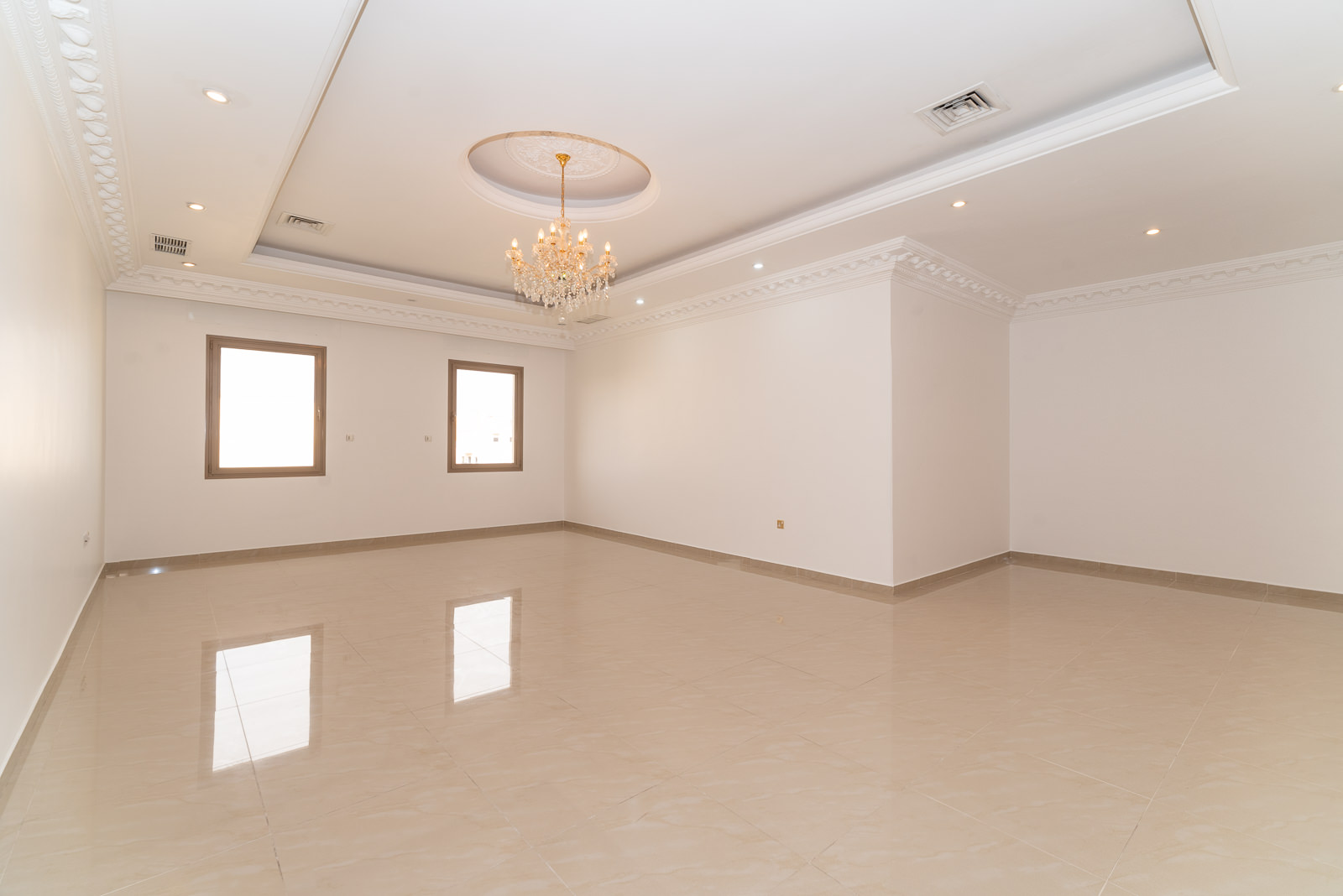 Salwa – great, unfurnished four bedroom apartment
