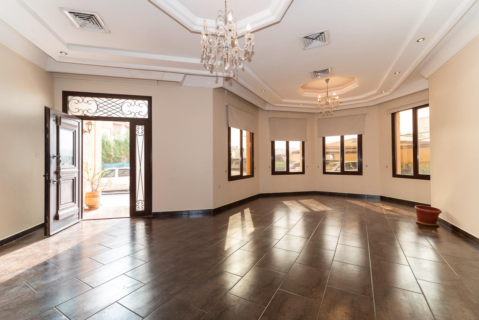 Mangaf – very nice, unfurnished, five bedroom villa