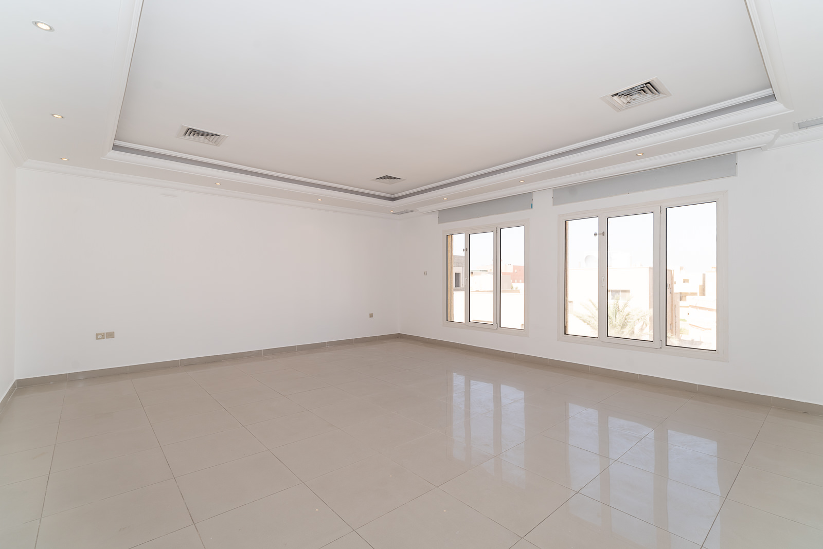 Jabriya – spacious, unfurnished, three bedroom floor