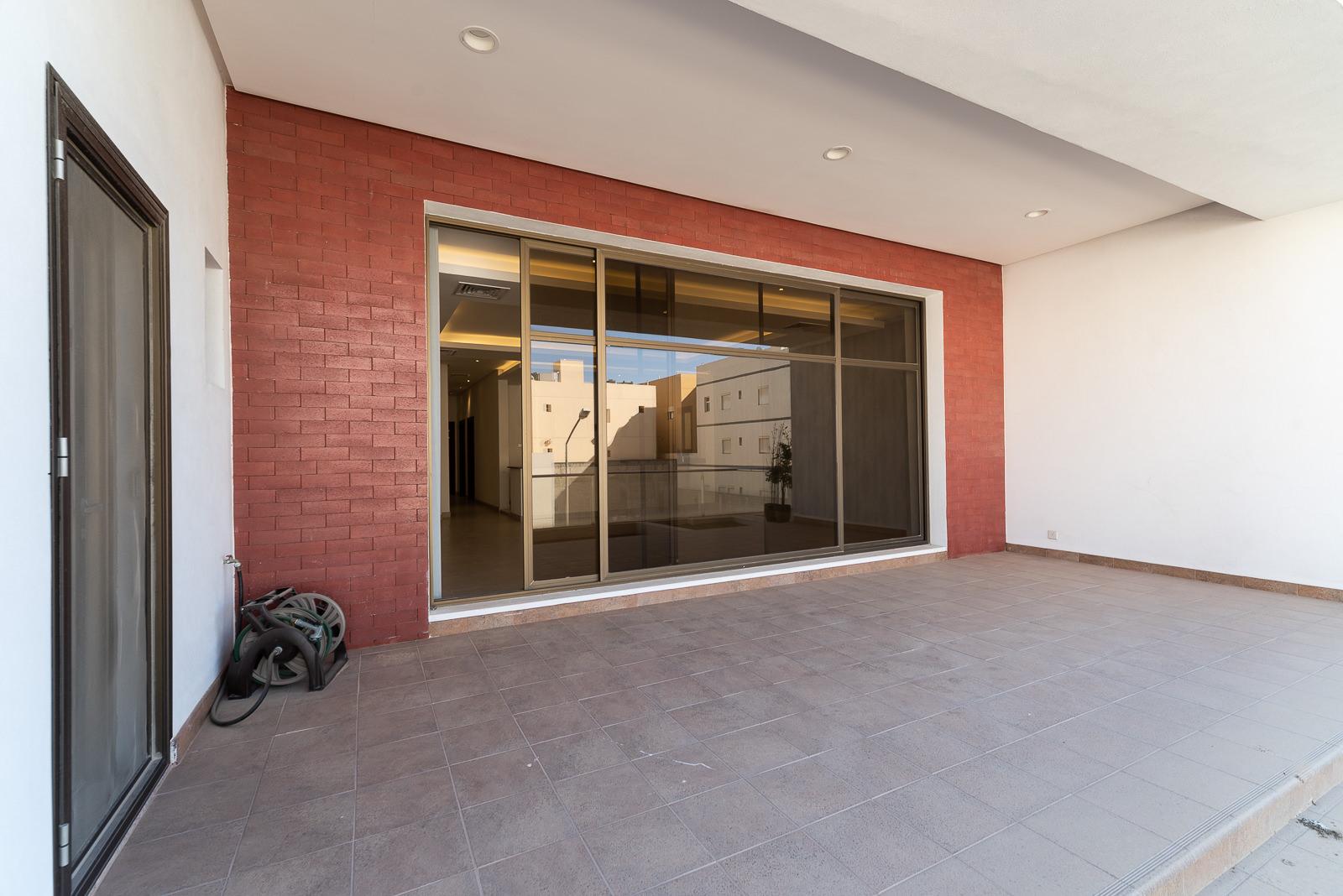 Masayel – spacious, three bedroom floor w/lovely terrace