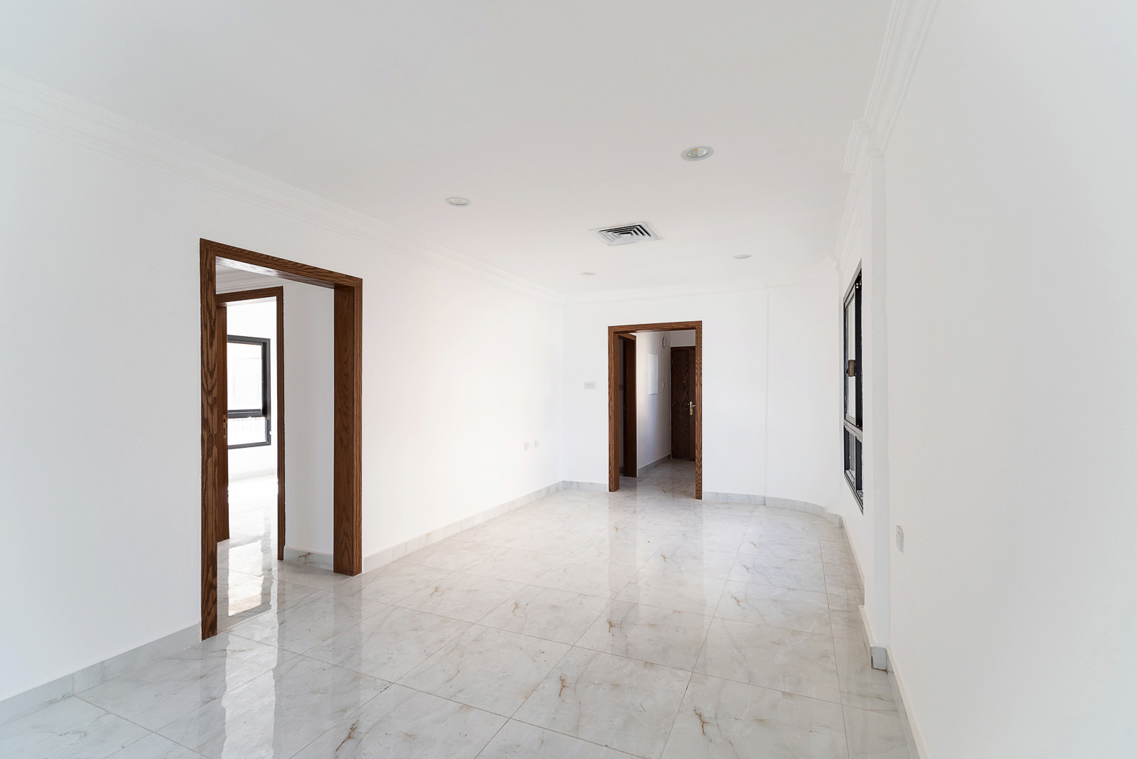 Shaab – older, renovated, two bedroom apartment w/sea view