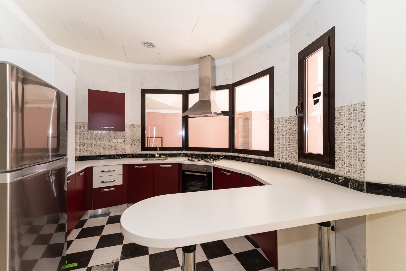 Fintas – spacious, unfurnished two bedroom apartment w/pool