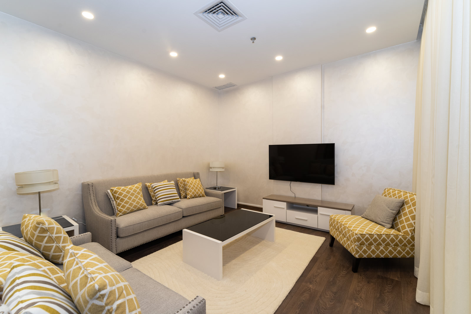 Salmiya – furnished and serviced three bedroom apartment