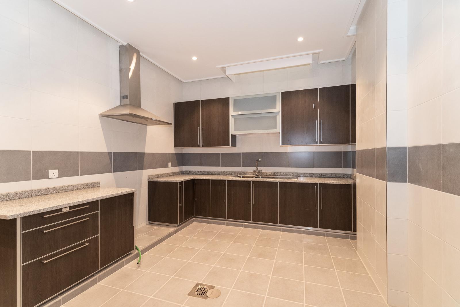 Shuhada – new, unfurnished, three bedroom basement apartment