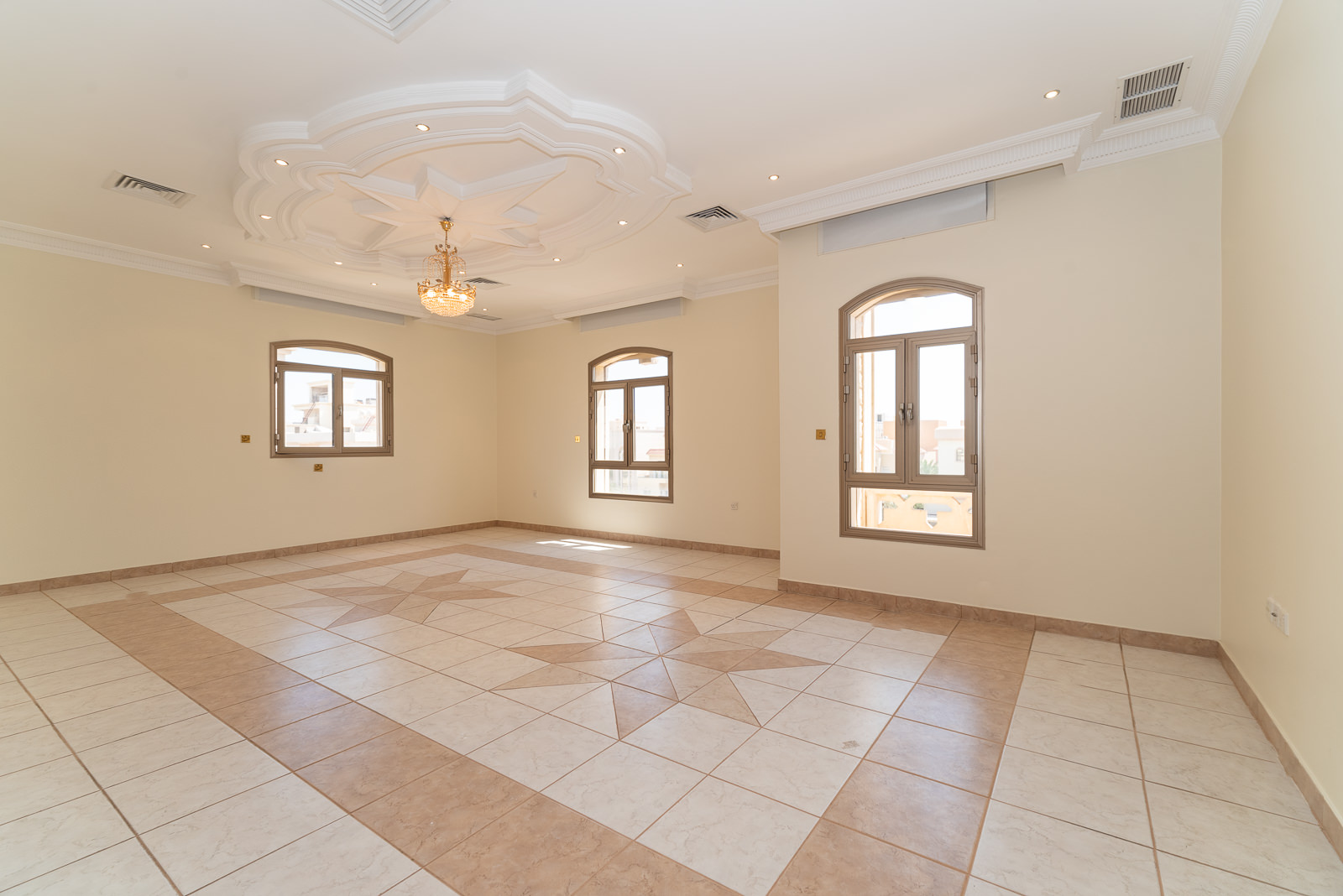 West Mishref – spacious, unfurnished, five bedroom floor