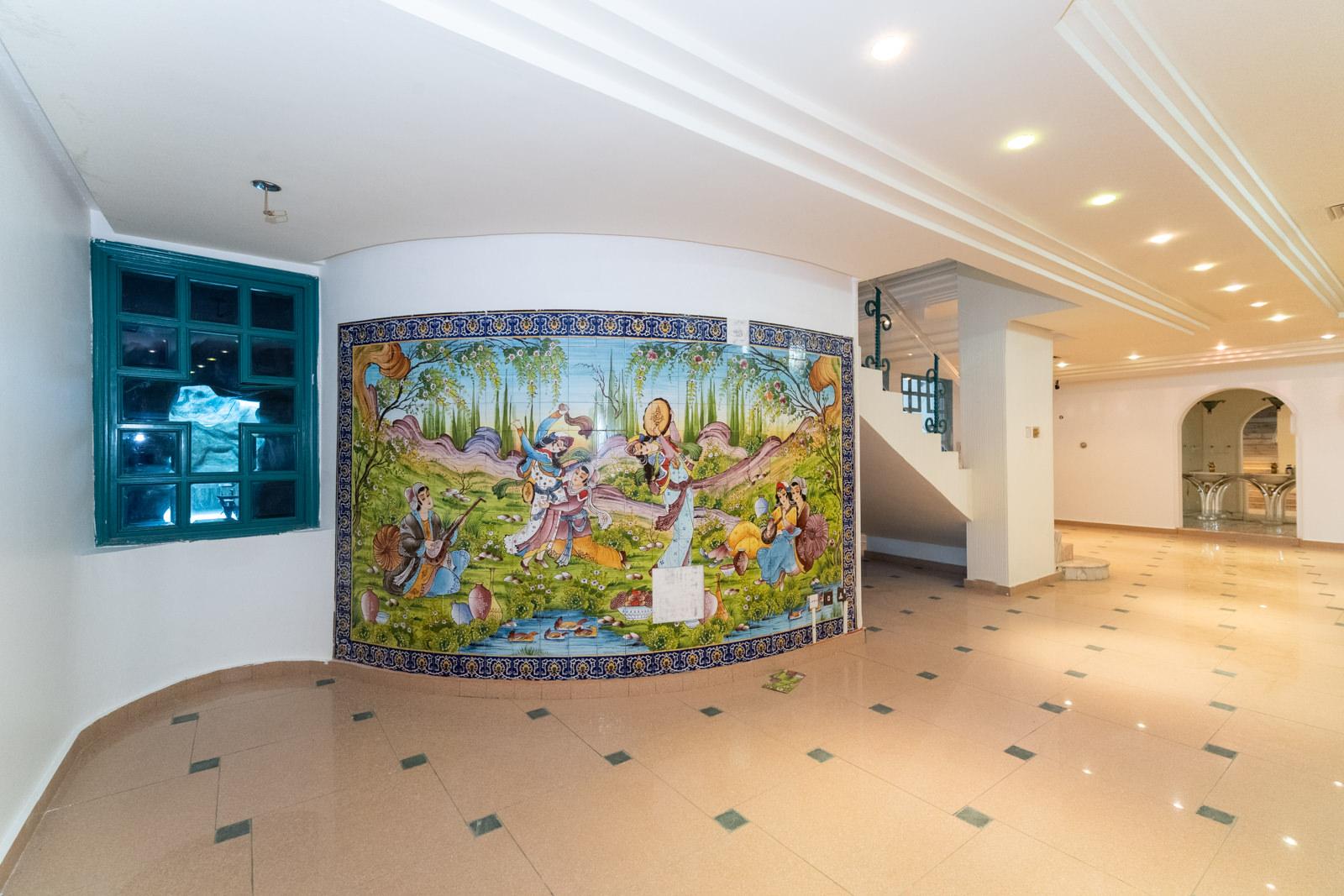 Salwa – spacious, four bedroom duplex w/small indoor pool
