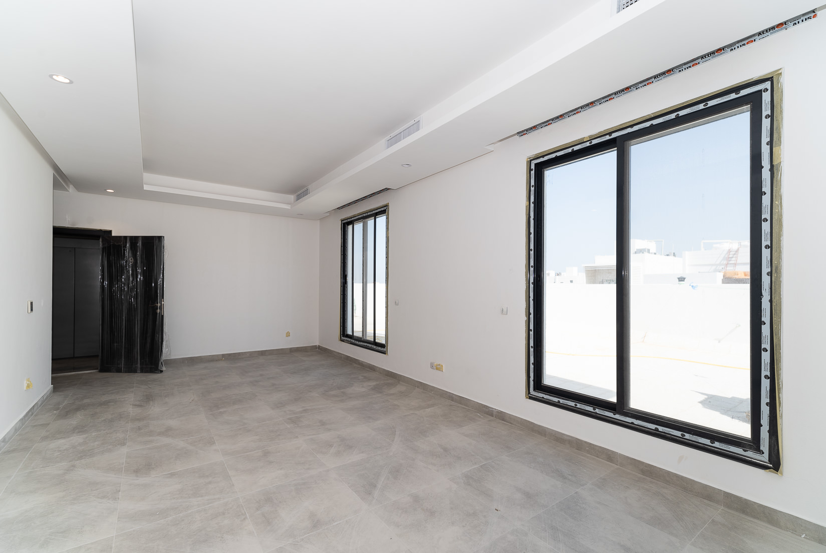 Fnaitees – new, unfurnished, two bedroom apartment w/terrace