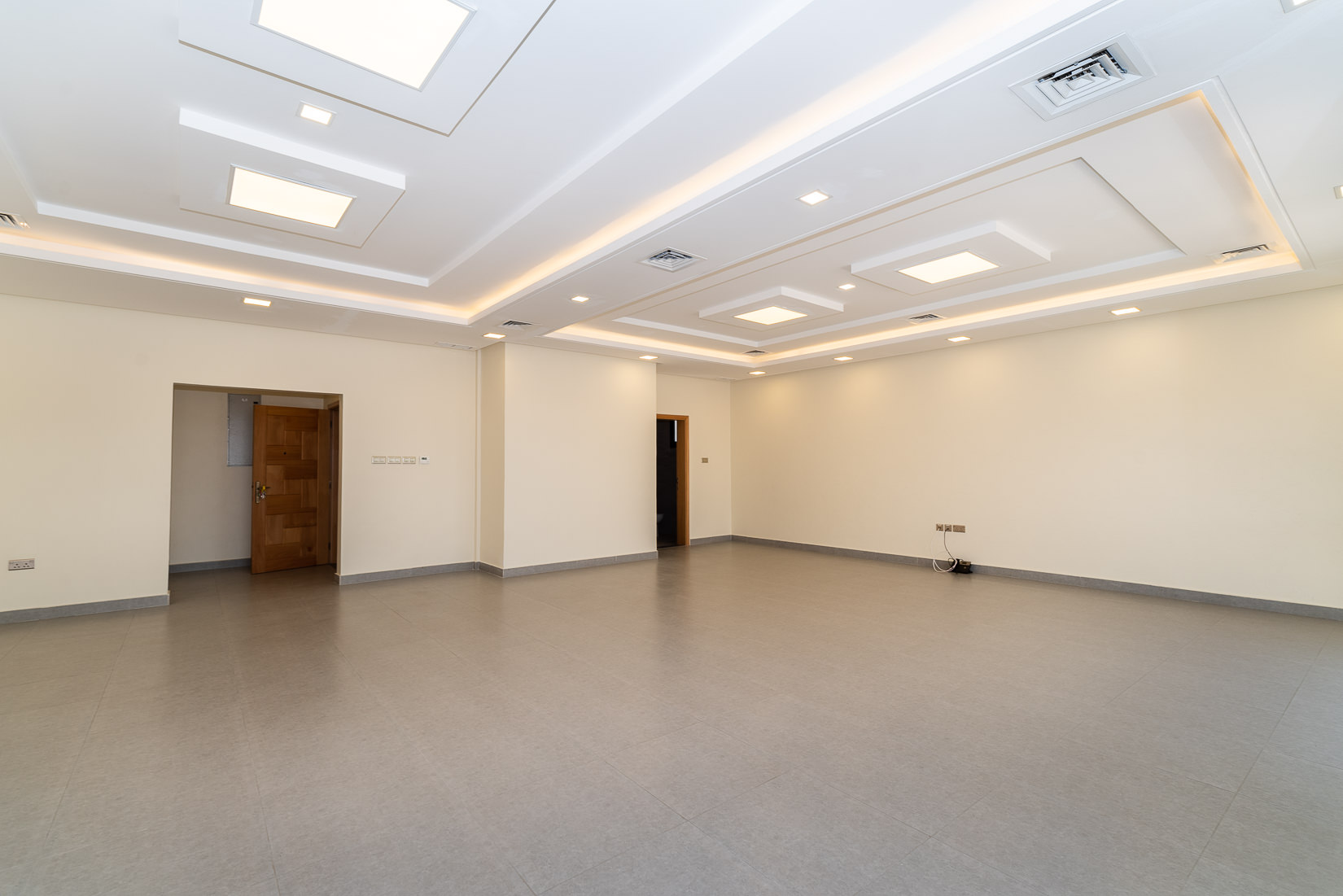 Khaldiya – new, unfurnished, four bedroom floors