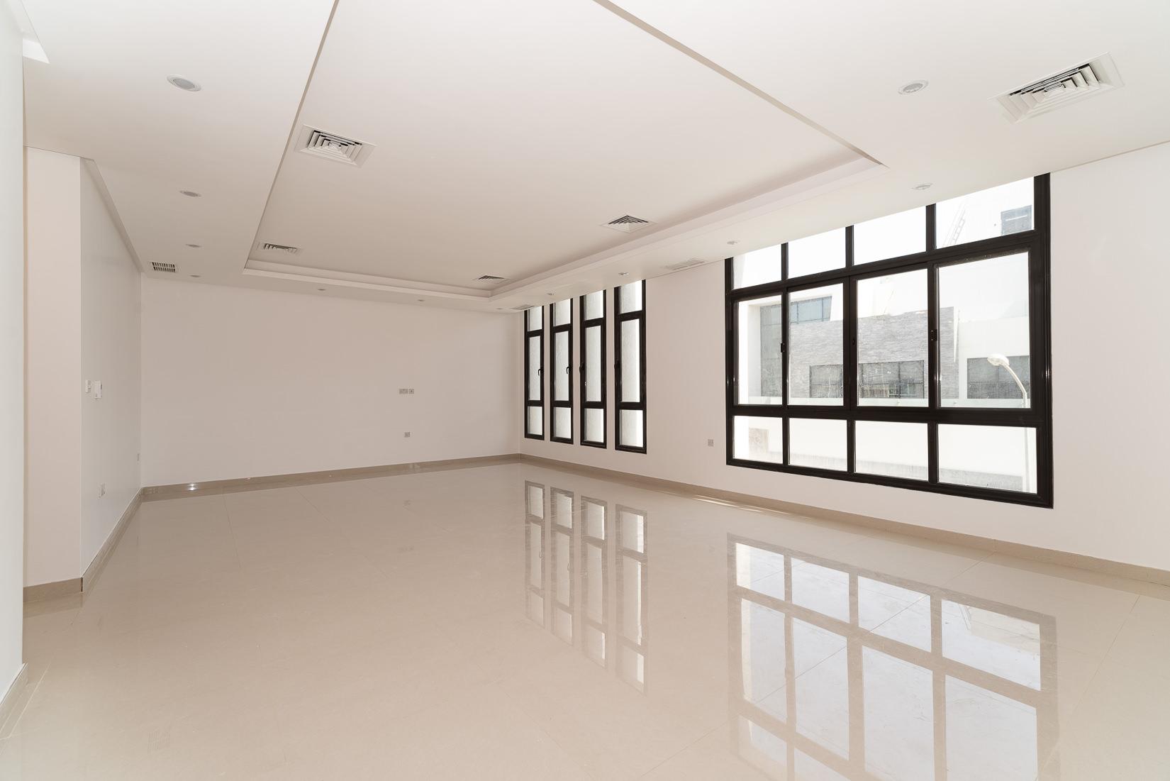 Zahra – new, very spacious, unfurished floor