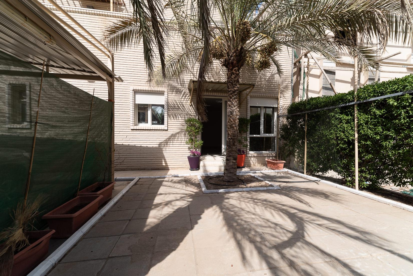 Mishref – unique, two bedroom ground floor w/garden